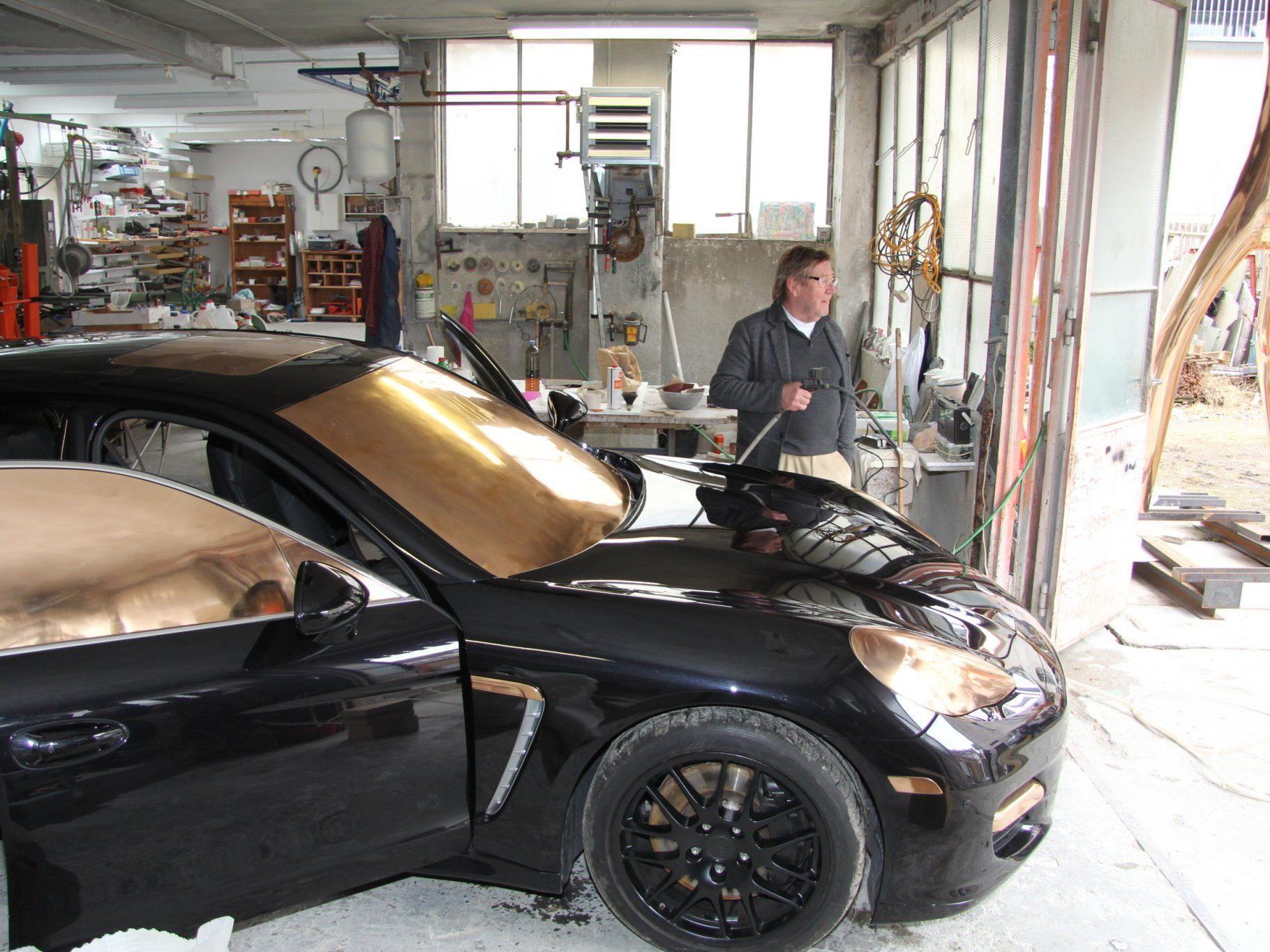 Mit diesem Porsche wollte Bechtold eine bewegliche Figur erschaffen.