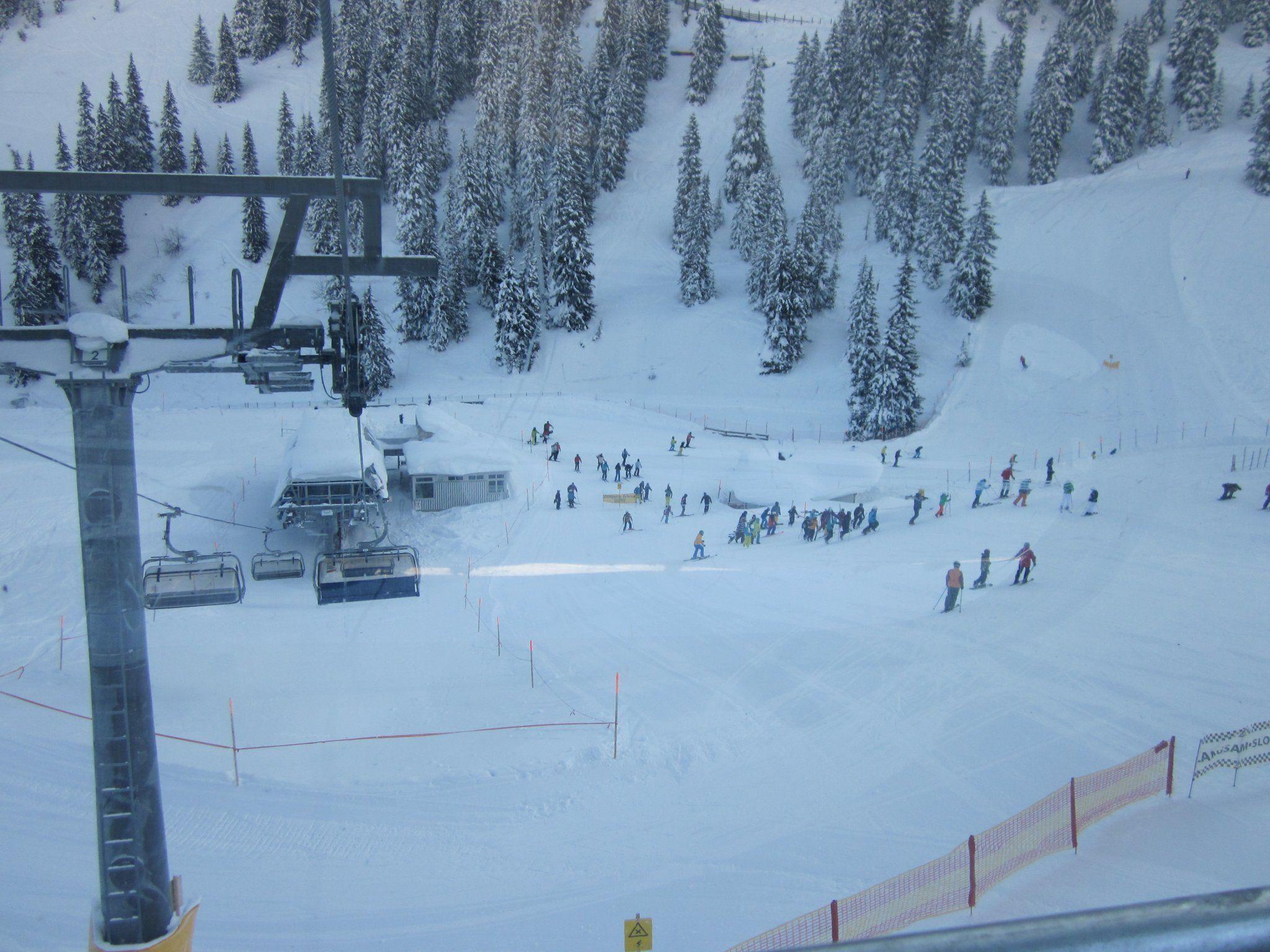Skifahrer mussten von den Liften evakuiert werden.
