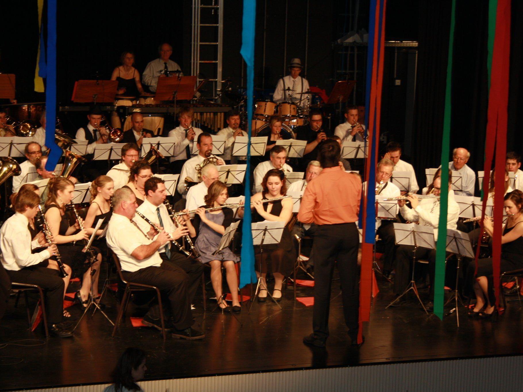 Flotte Rhythmen präsentierte die Bürgermusik Hohenems beim Ball.