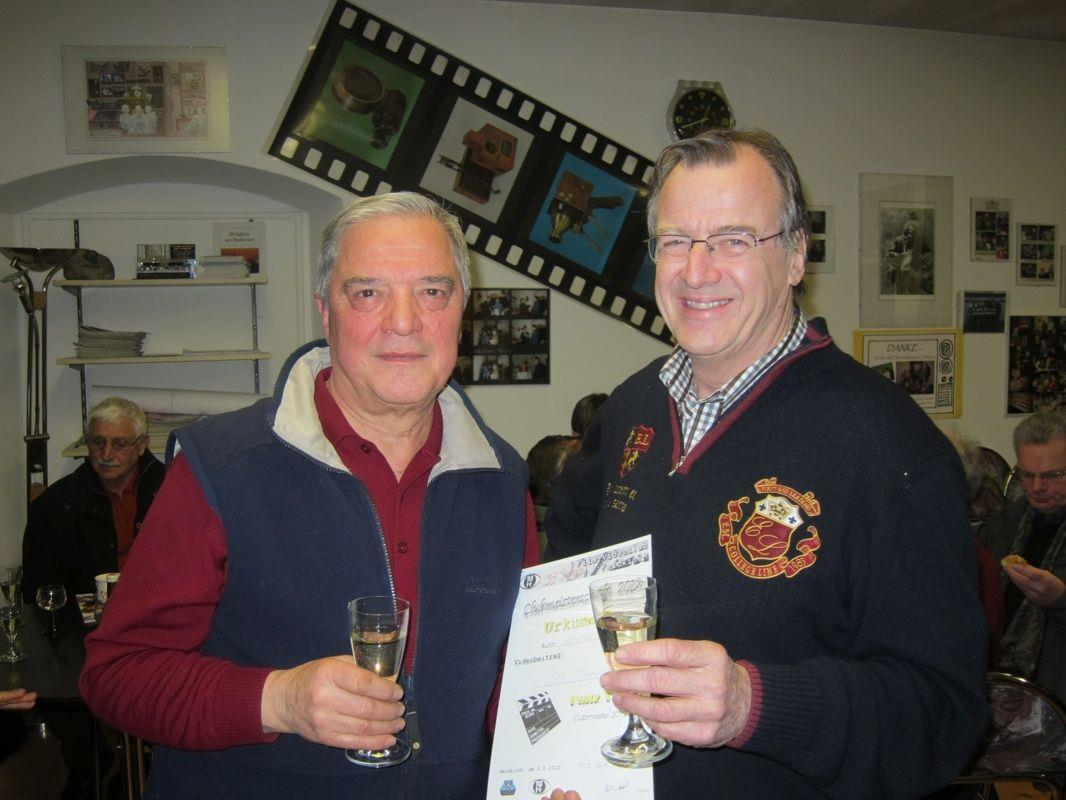 Der neue Clubmeister 2012 Helmut Lercher (links) mit Obmann Helmut Müller