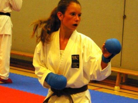 Sonja Längle beim Kumite Training