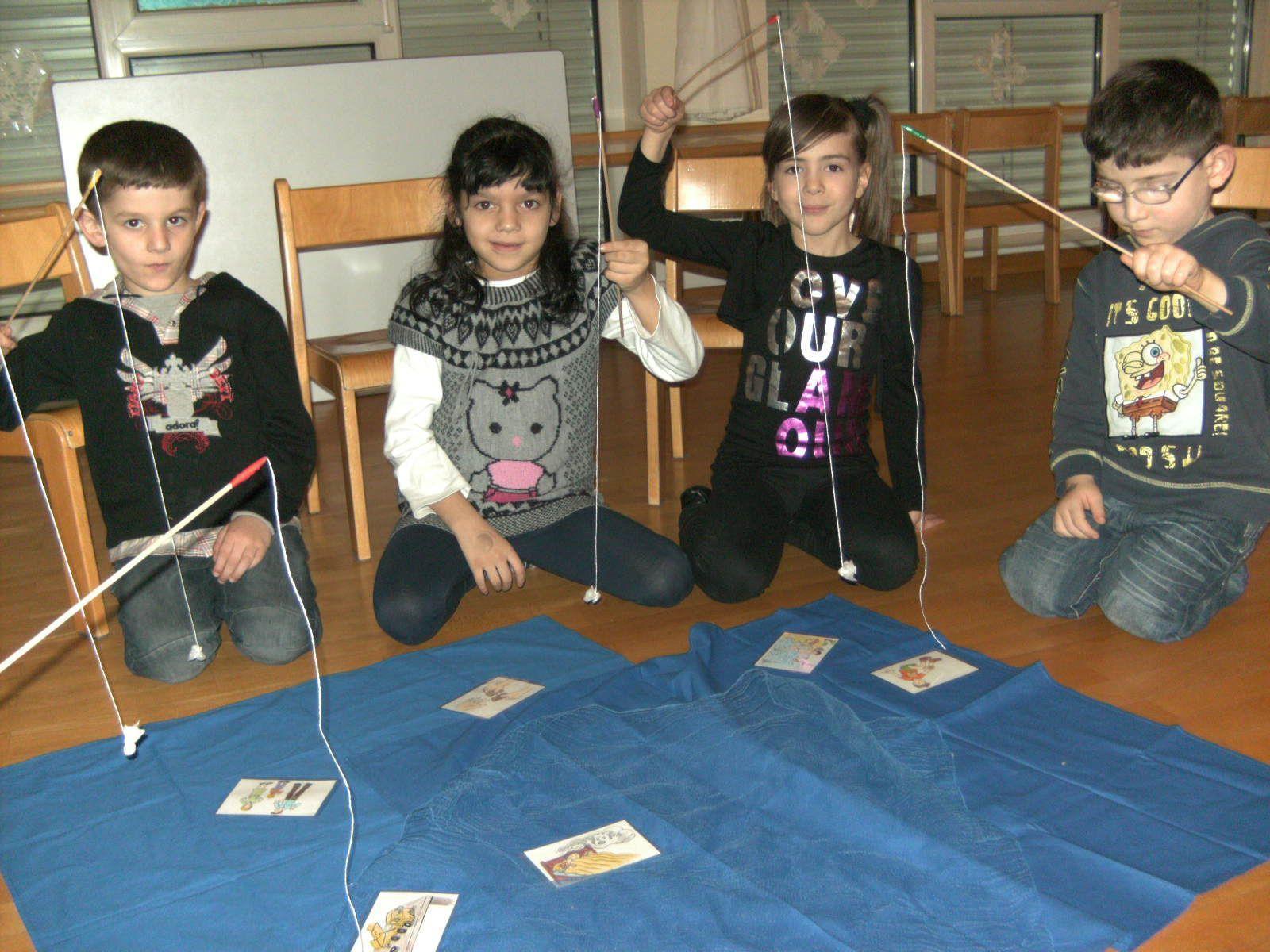 Spielerisch werden die Sprachkenntnisse der Kinder gefördert.