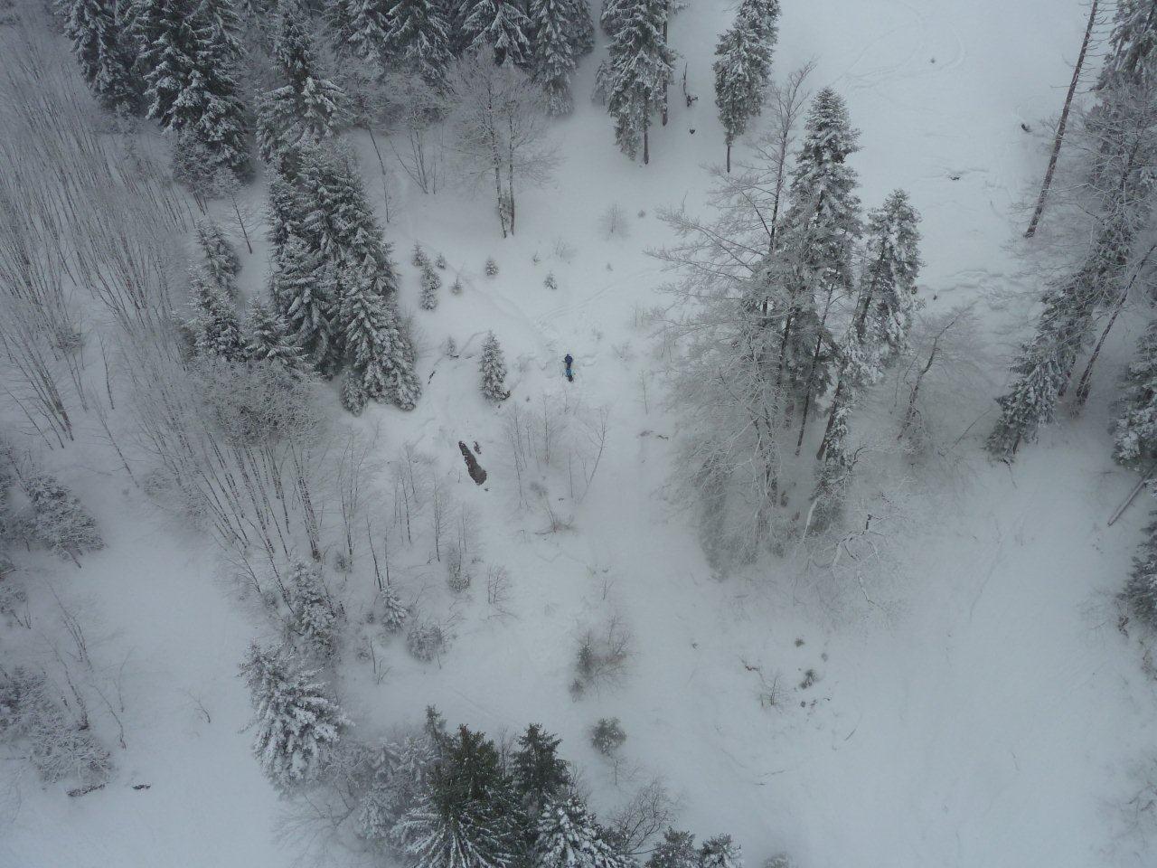 Die beiden Skifahrer mussten mit dem Hubschrauber geborgen werden.