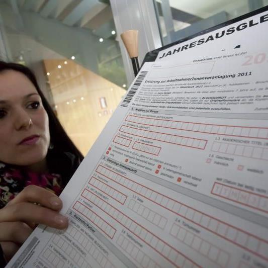 Formulare zum Jahresausgleich liegen im Finanzamt auf. Bequemer geht es online von zu Hause aus.