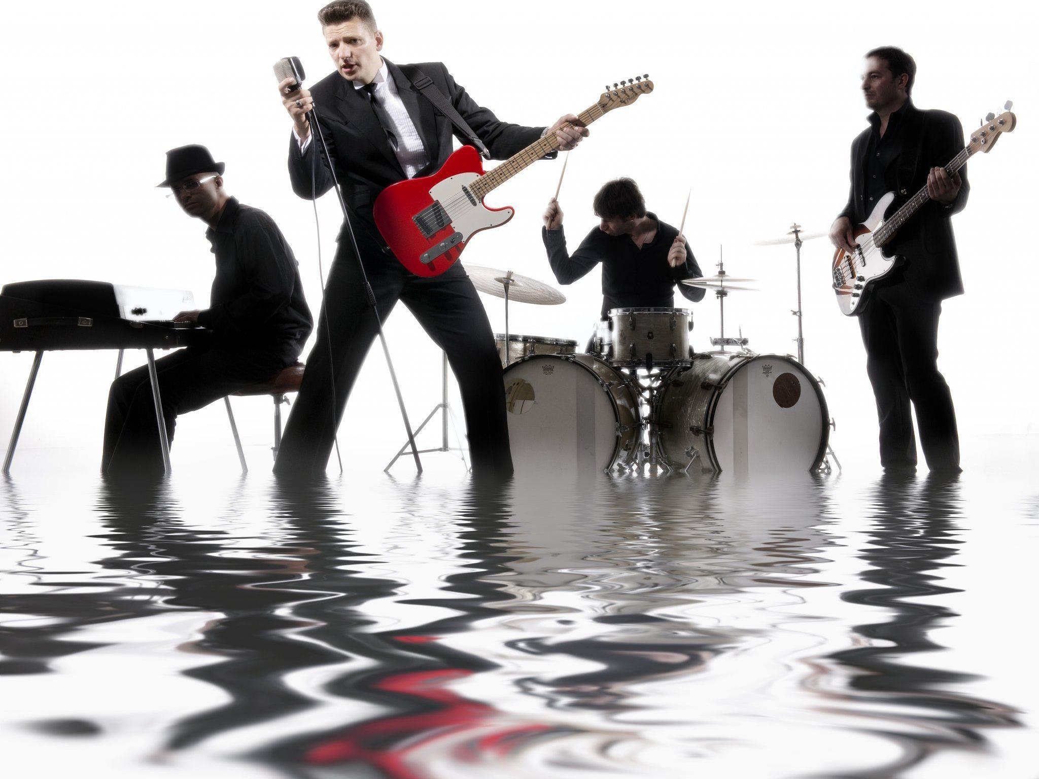"""Die Tequila Sharks gastieren mit ihrem """"Elvis Special"""" am 10. März in  Götzis"""