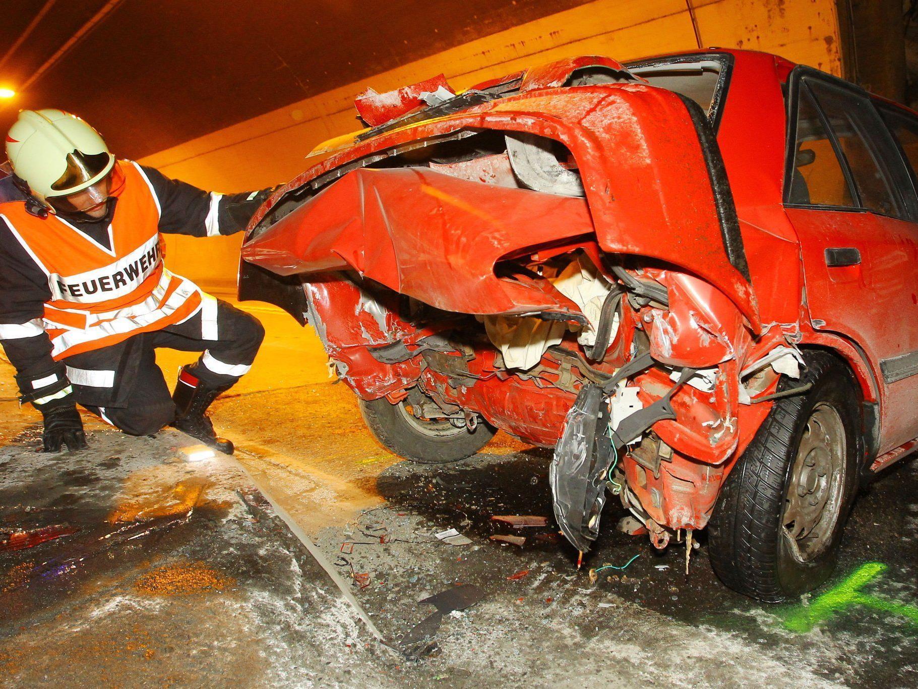 Auto kam aus unbekannter Ursache ins Schleudern.