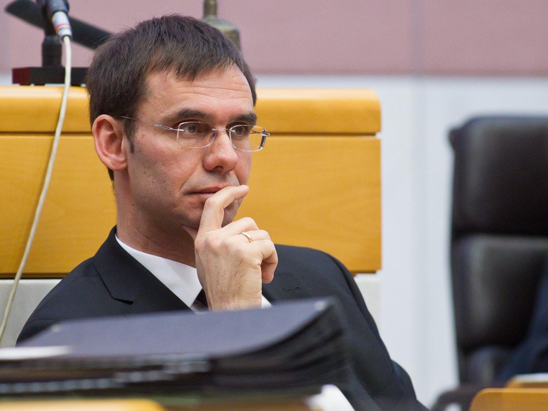 LH Wallner ein Parteiengesetz in Vorarlberg vor dem Sommer realisieren.