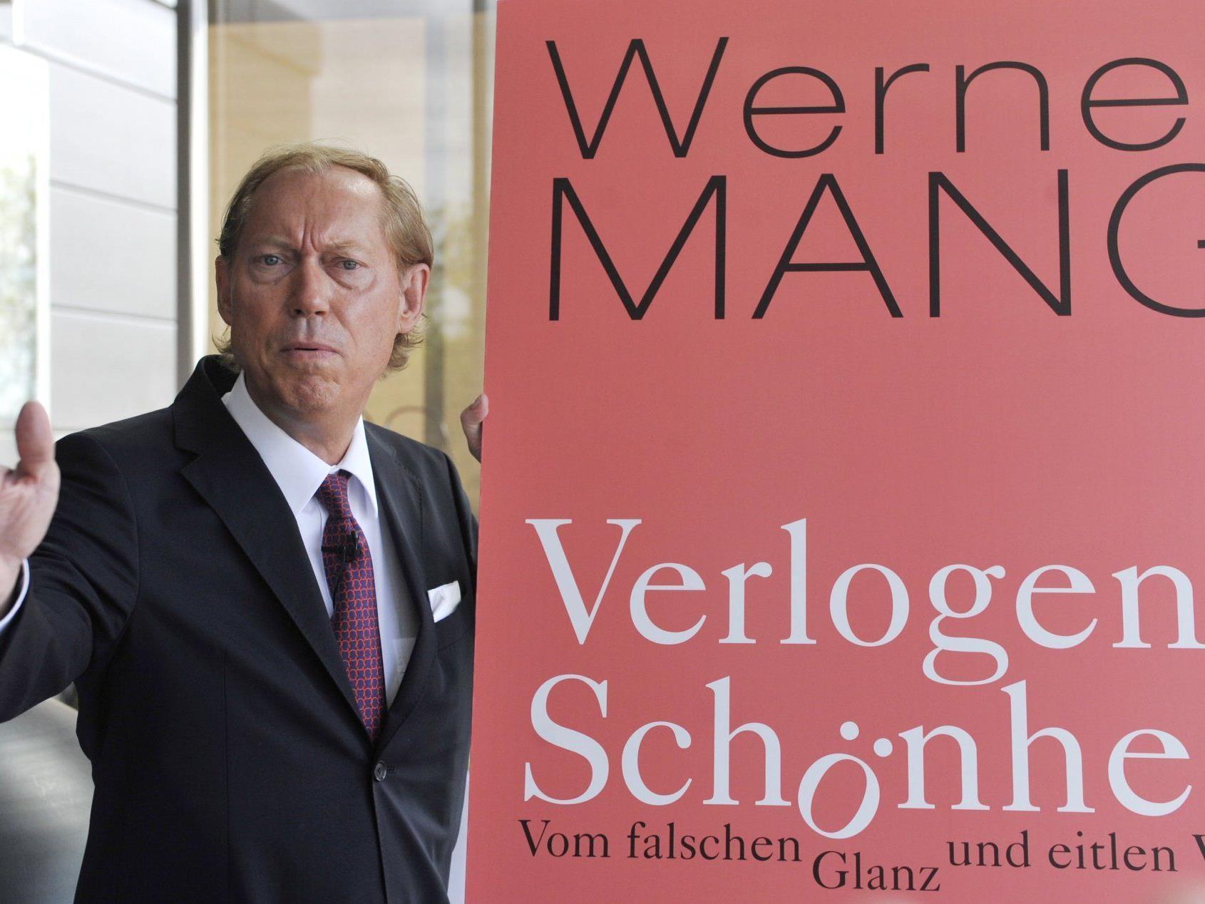 """Werner Mang und sein Buch """"verlogene Schönheit"""": Gegen den Autor und Chirurgen wird ermittelt."""