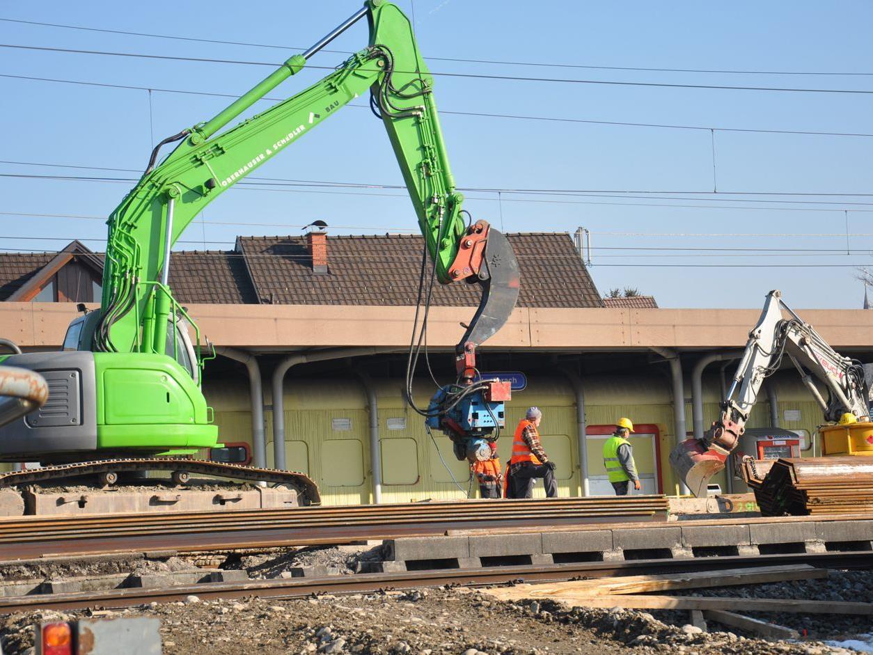 Der Umbau der Bahnstation Lauterach hat begonnen.