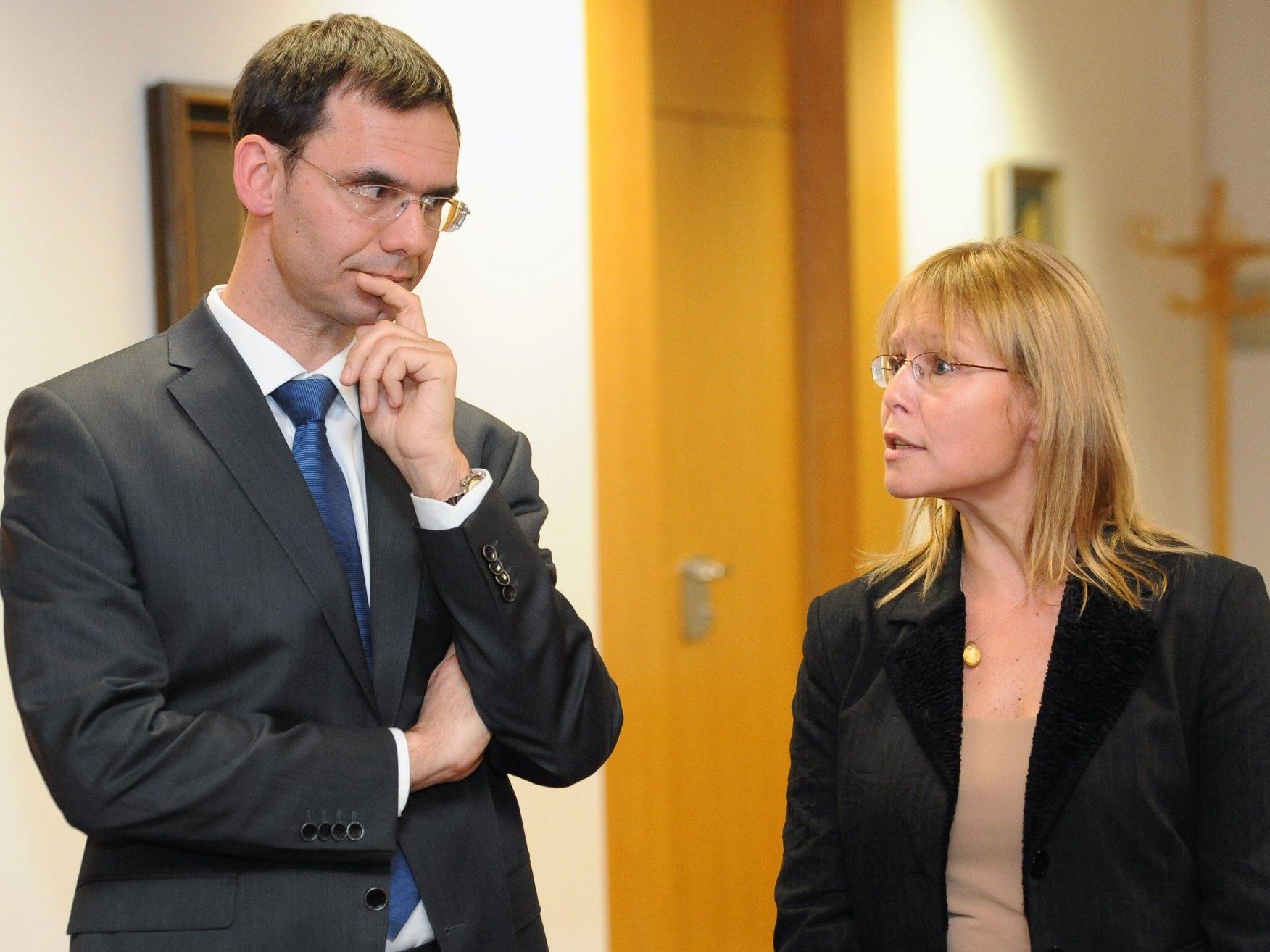 Landeshauptmann Wallner und Ministerin Karl diskutieren über Bezirksgerichte.