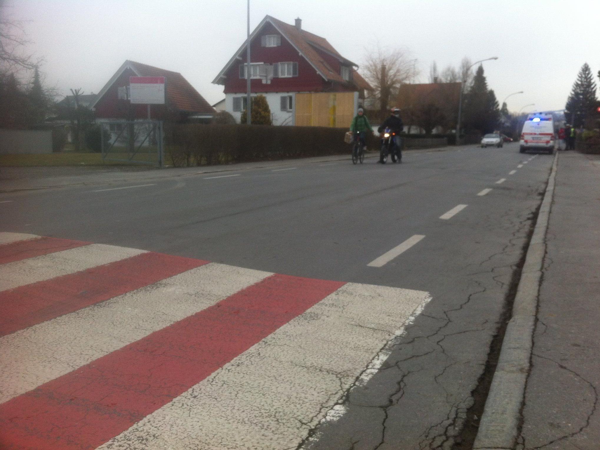 Fußgängerin auf Schutzweg erfasst.