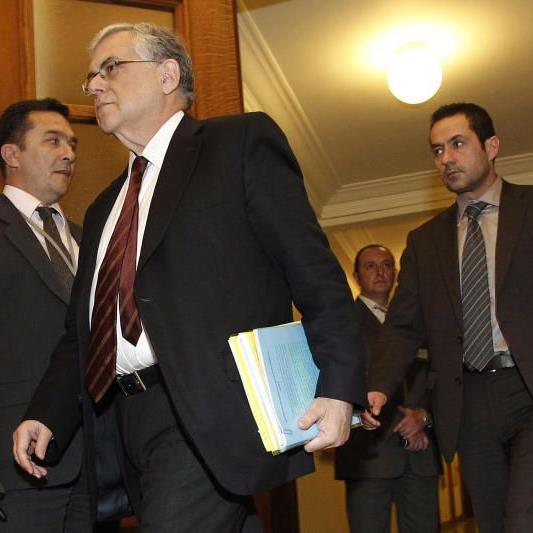 Ministerpräsident Lucas Papademos hatte in dramatischen Worten vor einem Scheitern des Hilfspakets gewarnt.