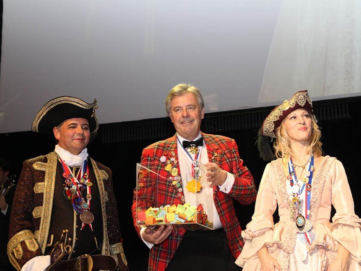Das Bregenzer Prinzenpaar mit Ore-Ore-Obmann Mandy Straßer.