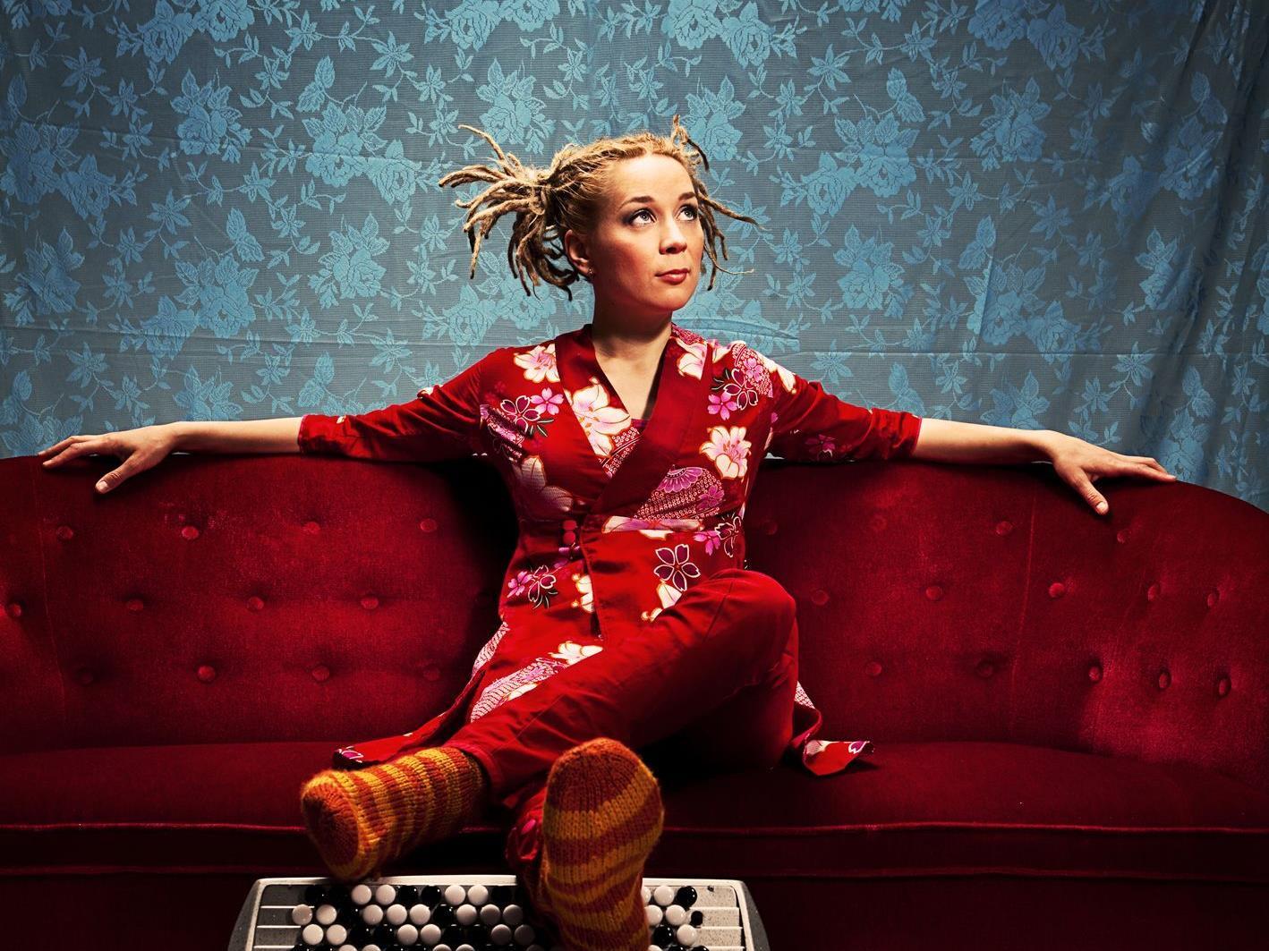Akkordeonstar Johanna Juhola spielt in Bludenz.