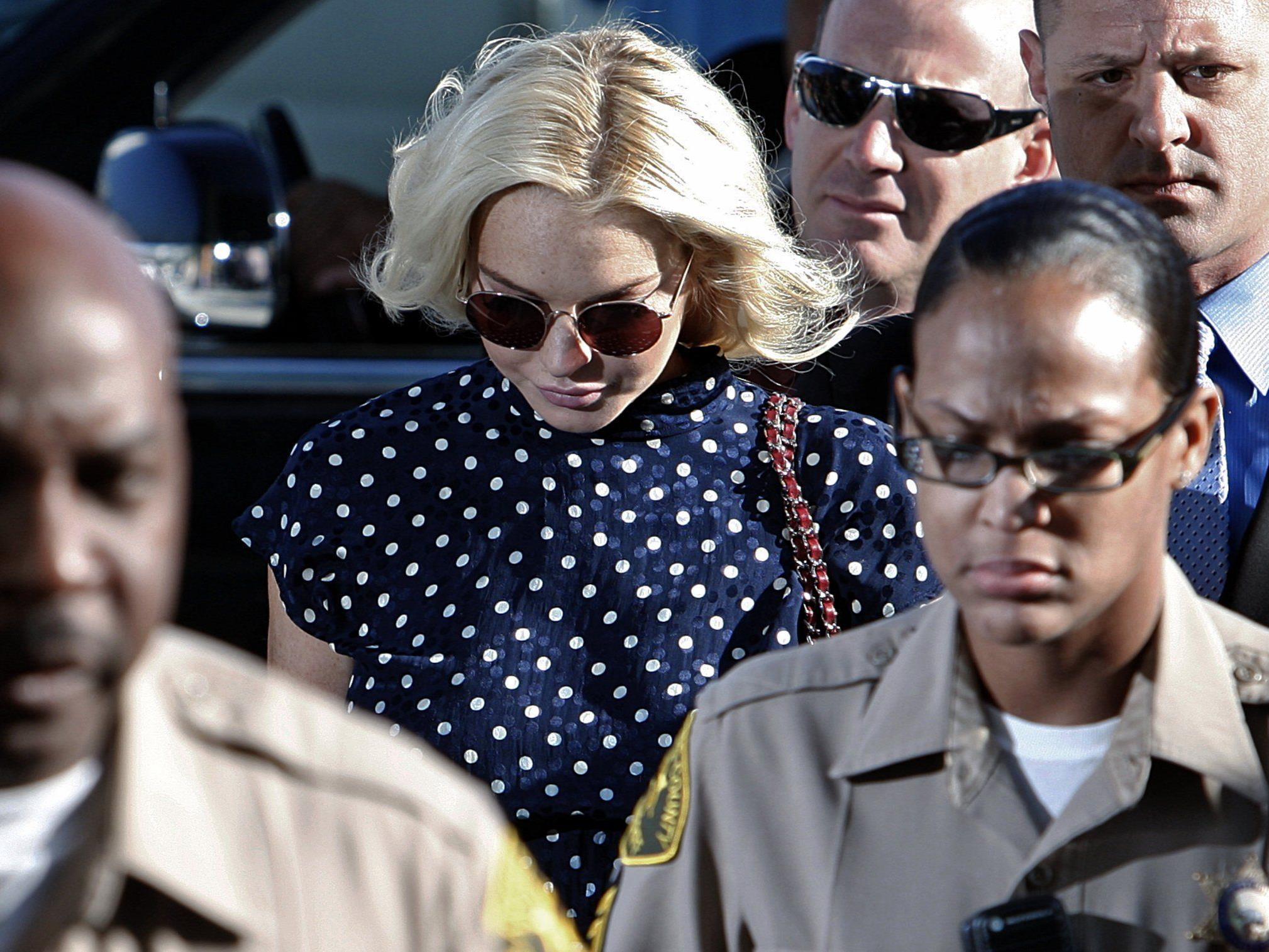 Lindsay Lohan auf dem Weg zu einem ihrer Gerichtsbesuche.