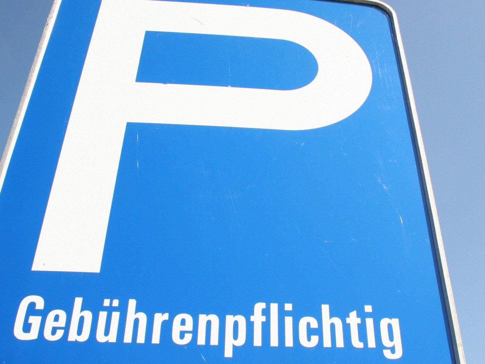 Ab März 2012 Parkordnung für Teilbereich des Parkplatzes West