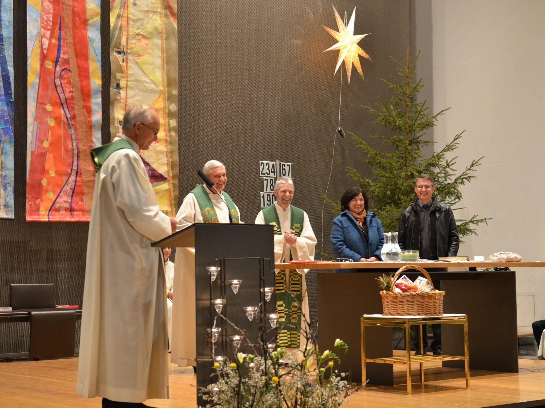 (v.li.) Pfarreinführung dr. Dekan Spieler m. Vikar Biondi, Pfarrer Witwer, Ulrich-Neubauer u.Gassner