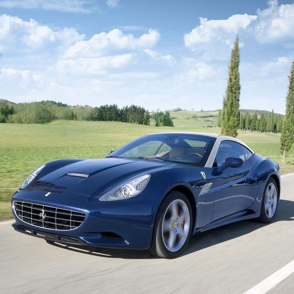Ferrari verpasst dem California ein Facelift.