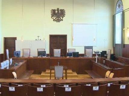 Die junge Frau und ihr Neffe mussten sich am Mittwoch vor Gericht verantworten.