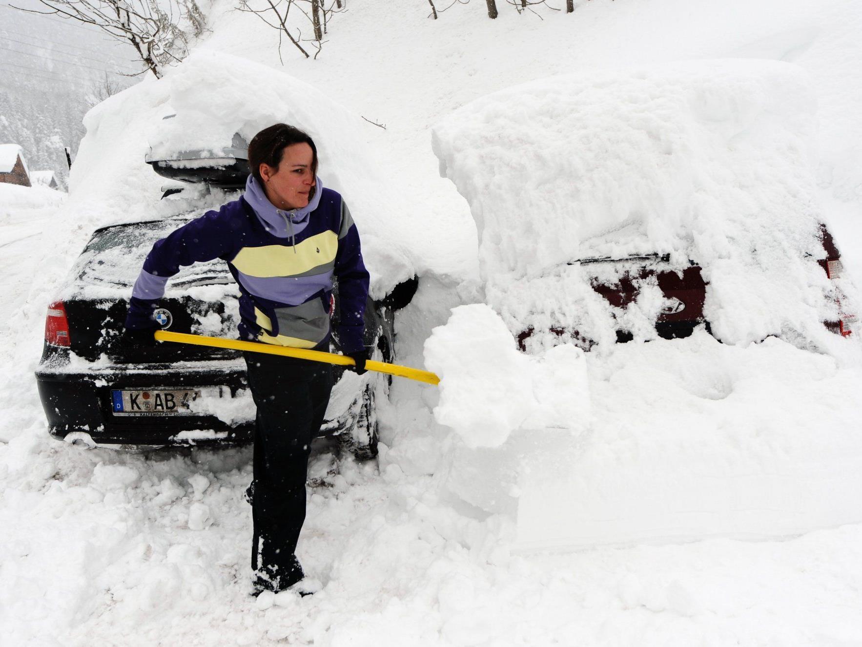 S16 nach Schneeräumung wieder offen.