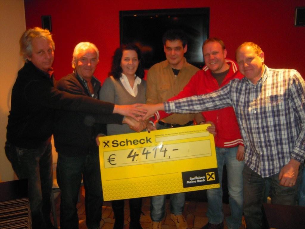 v.l.: Kurt Lerch, Manfred Fritsch, Isabell Ludescher, Thomas Zech, Bernhard und Christian Nitz