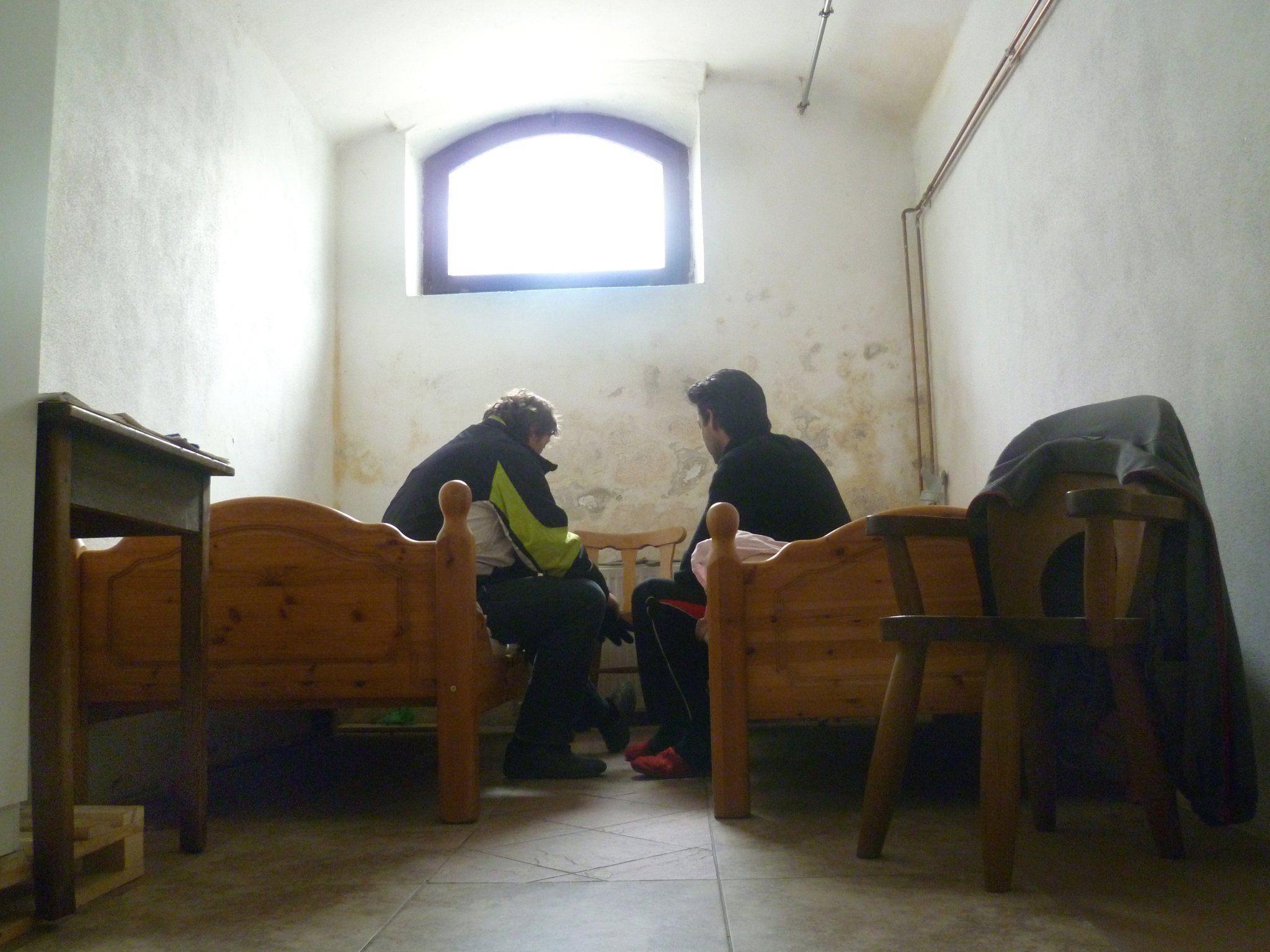 Notschlafstellen sind für Obdachlose oft die letzte Möglichkeit um einer lebensbedrohlichen Nacht im Freien zu entgehen.