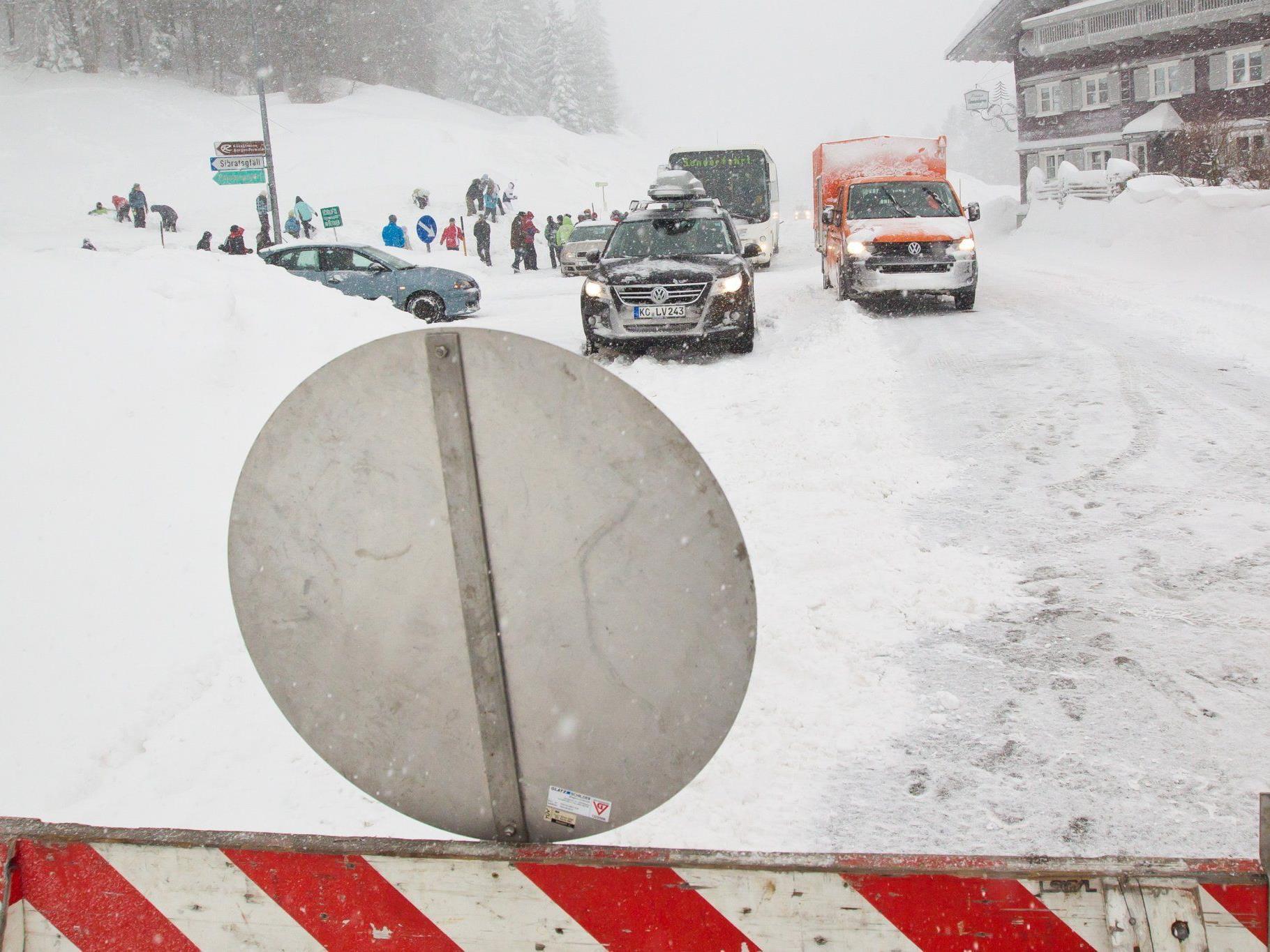 Schneemassen im Jänner und Februar legten Vorarlberg lahm.