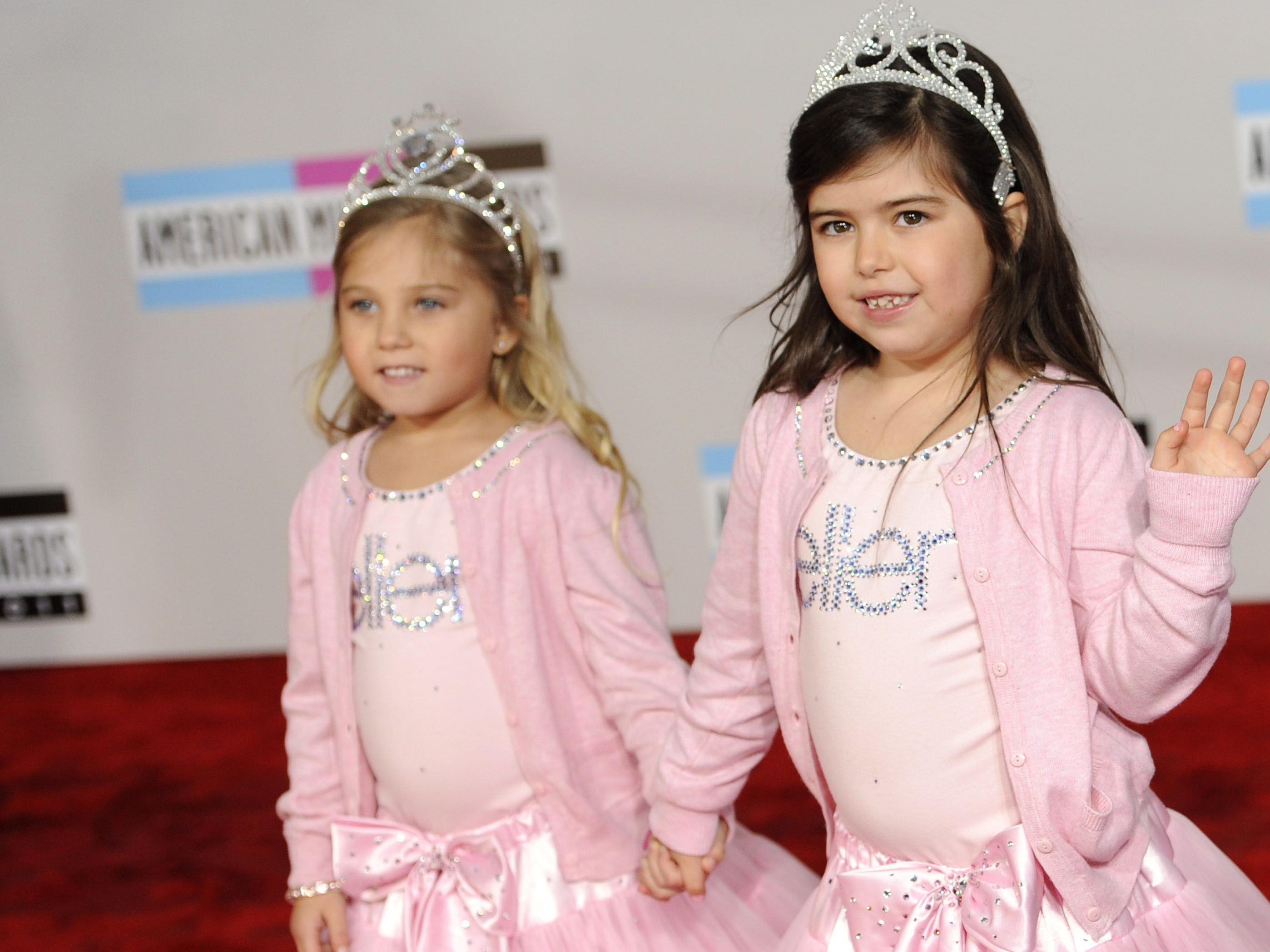 Sophia Grace Brownlee (r.) und Cousine Rosie bei den AMAs.