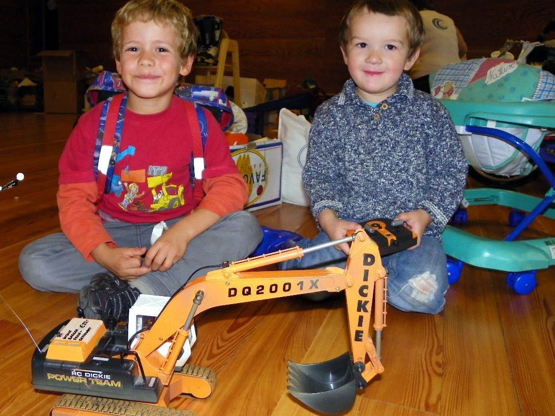 Spielsachen zogen die Kinder magisch an
