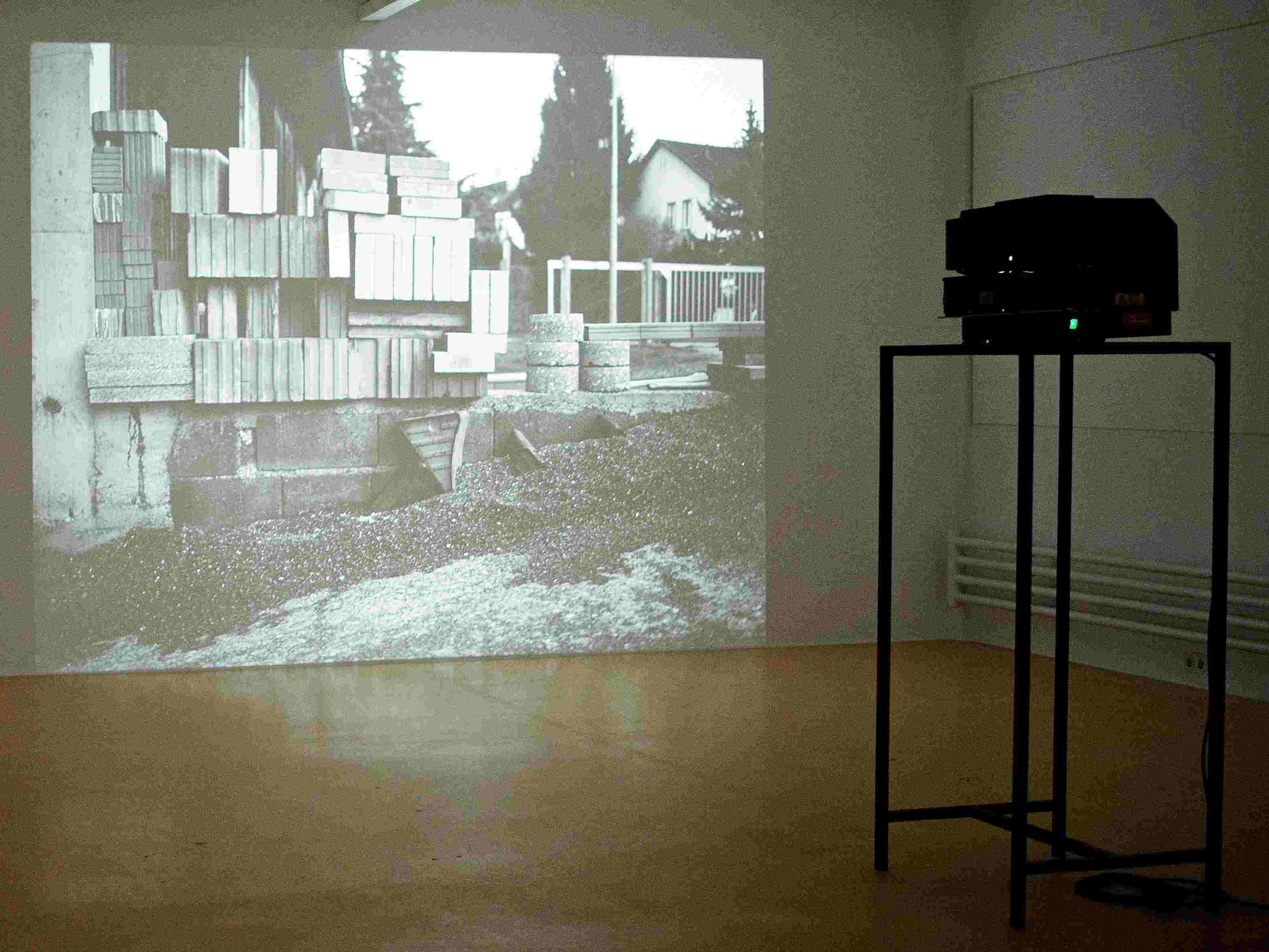 Heitz richtet seinen Blick auf die vorhandenen, aber nicht mehr gesehenen Dinge und Orte.