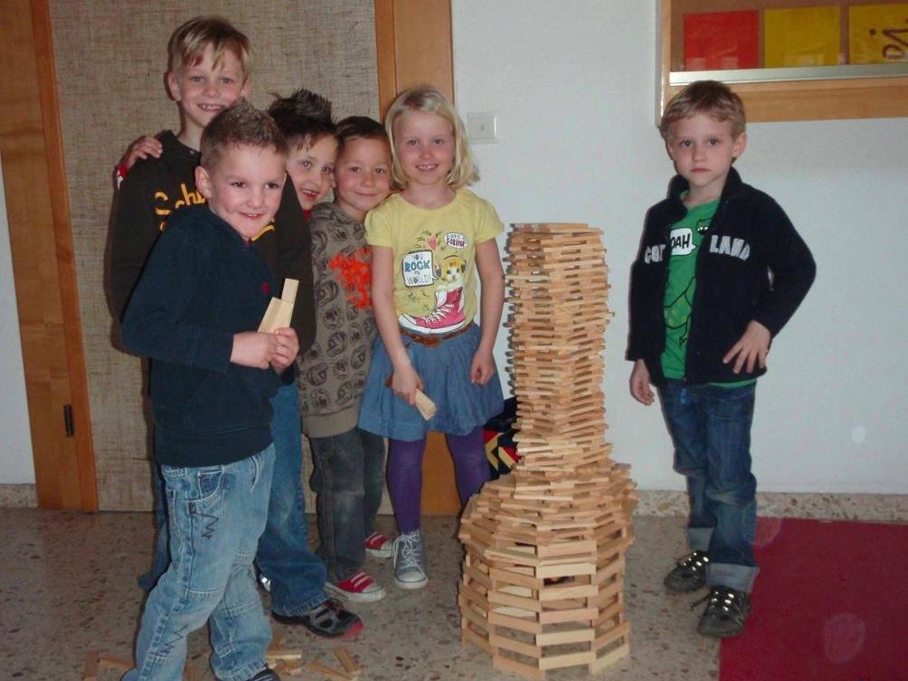 Viele glückliche Gesichter gab es für die beschäftigten Kinder bei der Schülereinschreibung 2012/13