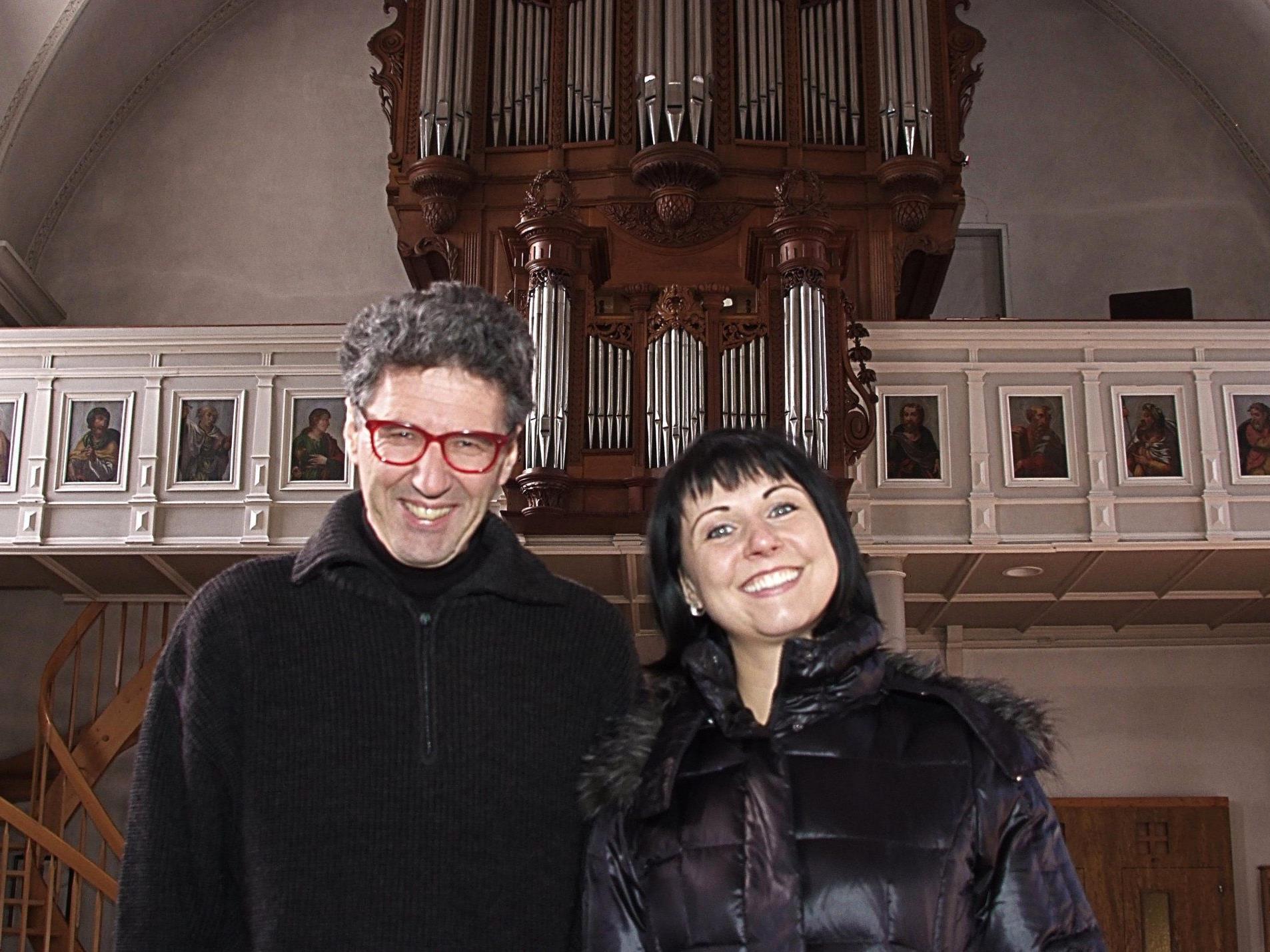 Christine Schneider und Rudolf Berchtel eröffnen die Bludescher Orgelkonzertreihe.