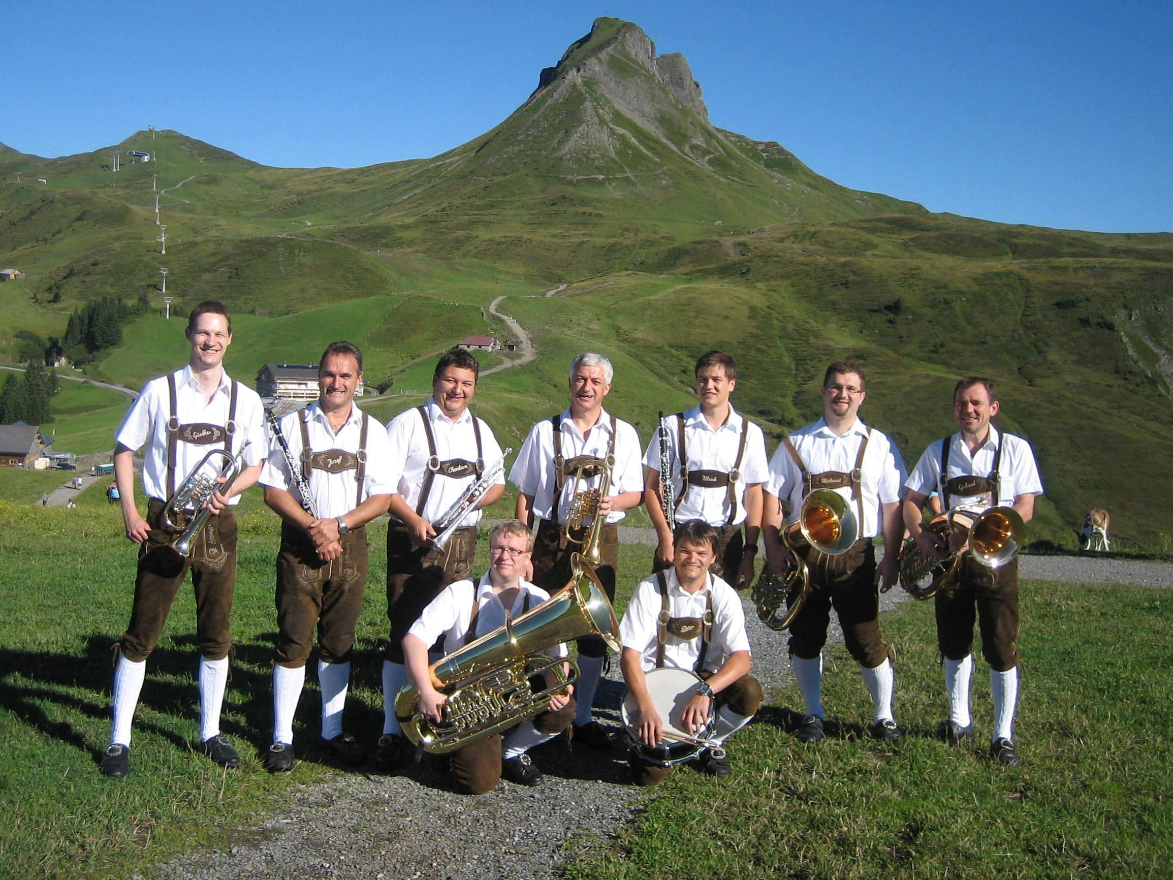 Die Bezauer Dorfmusikanten zu Gast in Dubai