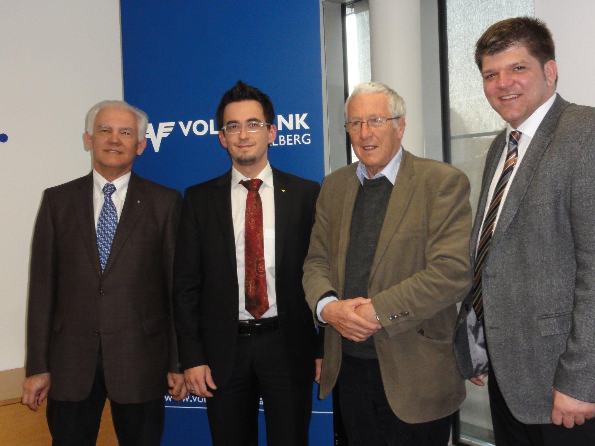 Ing. Wolfgang Ortner (Montagsforum), Dipl.Bw. (FH) Christian Klar( Volksbank), Univ.Prof. Dr. Herwig Scholz und Vorst.Dir. Stephan Kar (Volksbank)