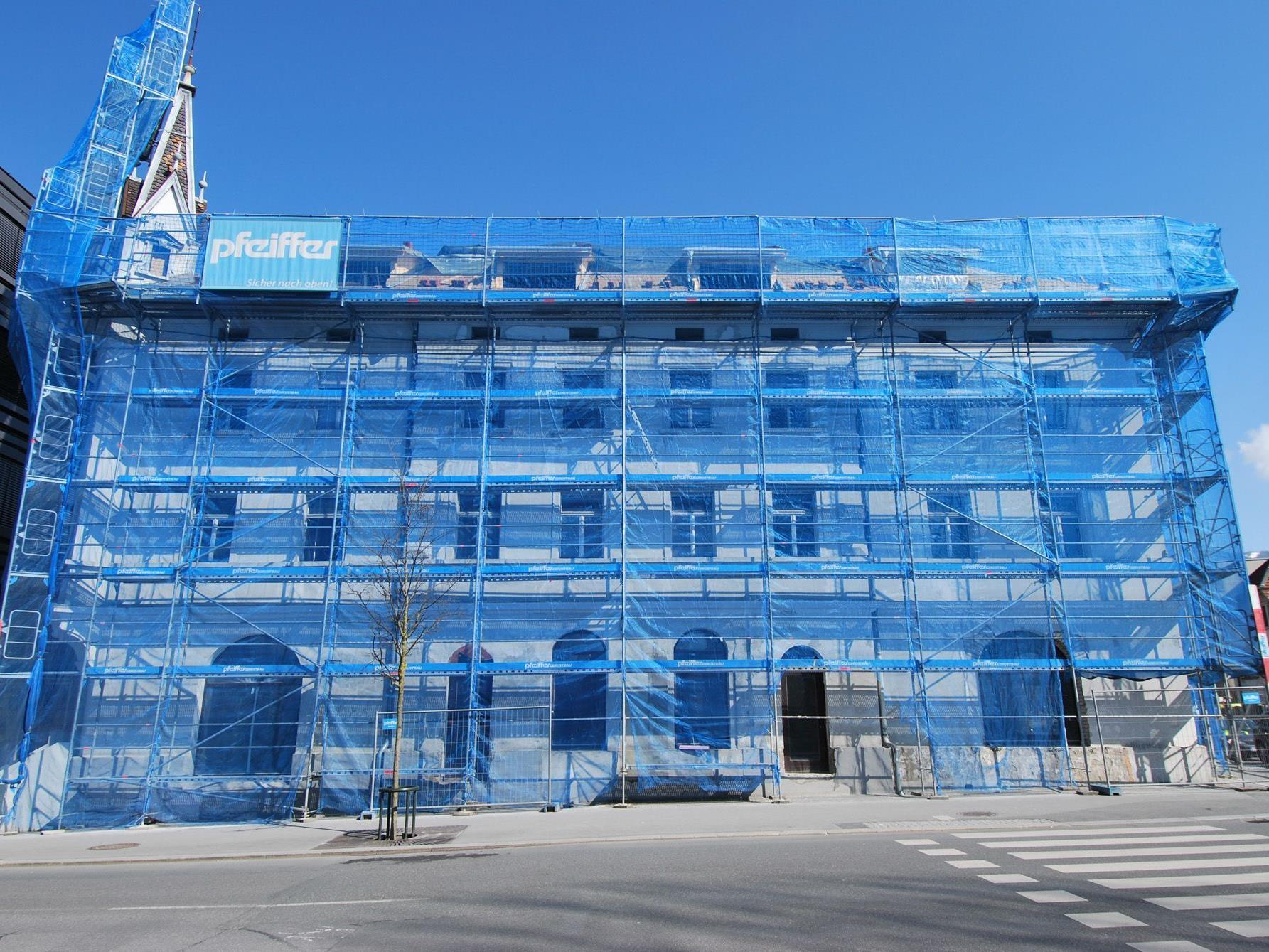 Die Fassade wird dem ursprünglichen Zustand angeglichen