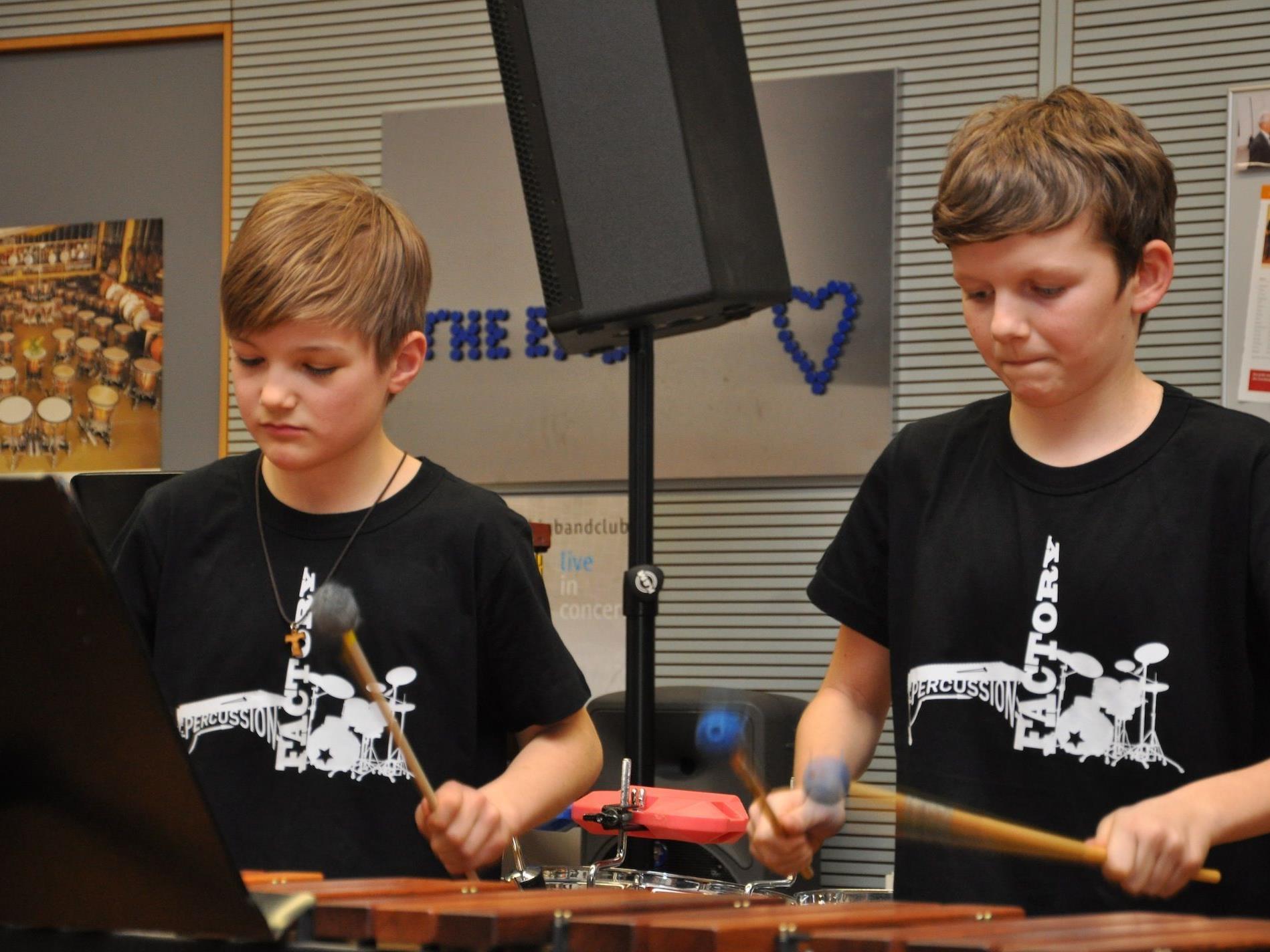 "Das Ensemble ""Percussion factory"" darf zum Bundeswettbewerb in die Steiermark."