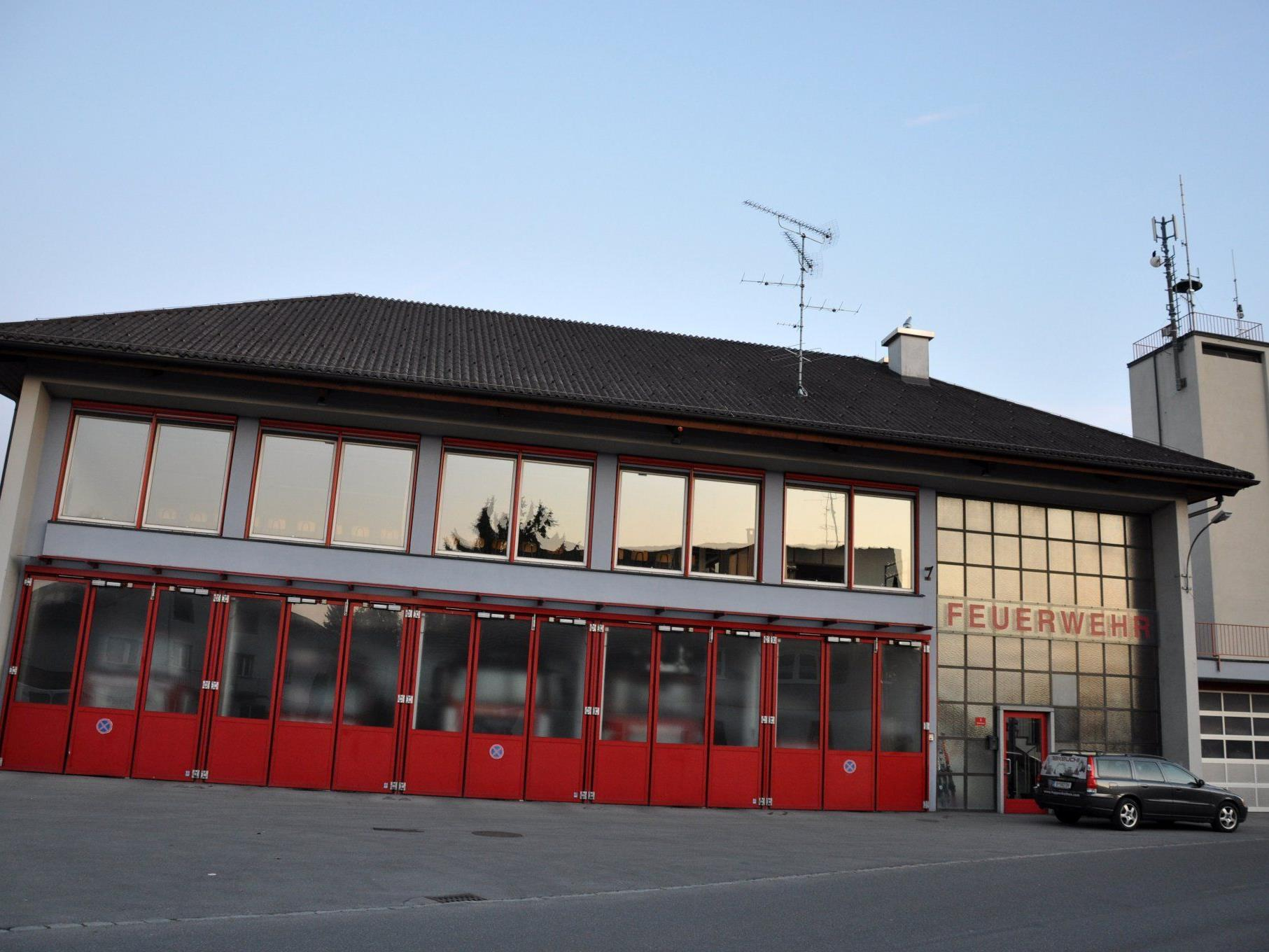 Das bestehende Feuerwehrgerätehaus wird den heutigen Anforderungen nicht mehr gerecht.