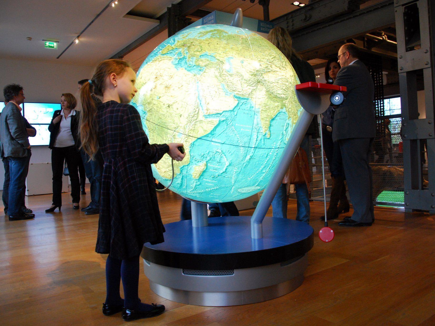 """Die Ausstellung """"Klimazeiten – Wenn die Erde Fieber hat"""" wird durch einen neuen Bereich erweitert."""