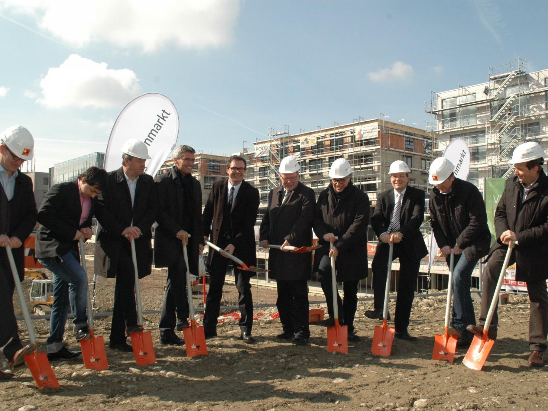 Der Spatenstich zur dritten Phase der Zentrumsentwicklung Am Garnmarkt ist erfolgt.