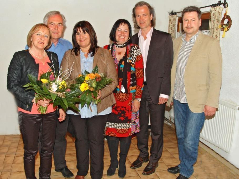 Gratulation für die neue Stadtvorsitzende Erika Pichler (links).
