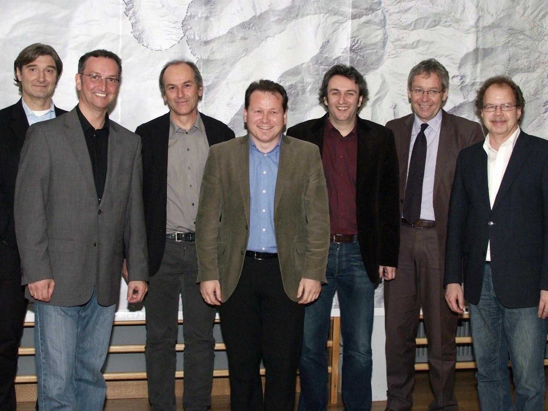 Die Blumeneggbürgermeister mit Raumplanern, StH.Karlheinz Rüdisser und Florian Kasseroler.