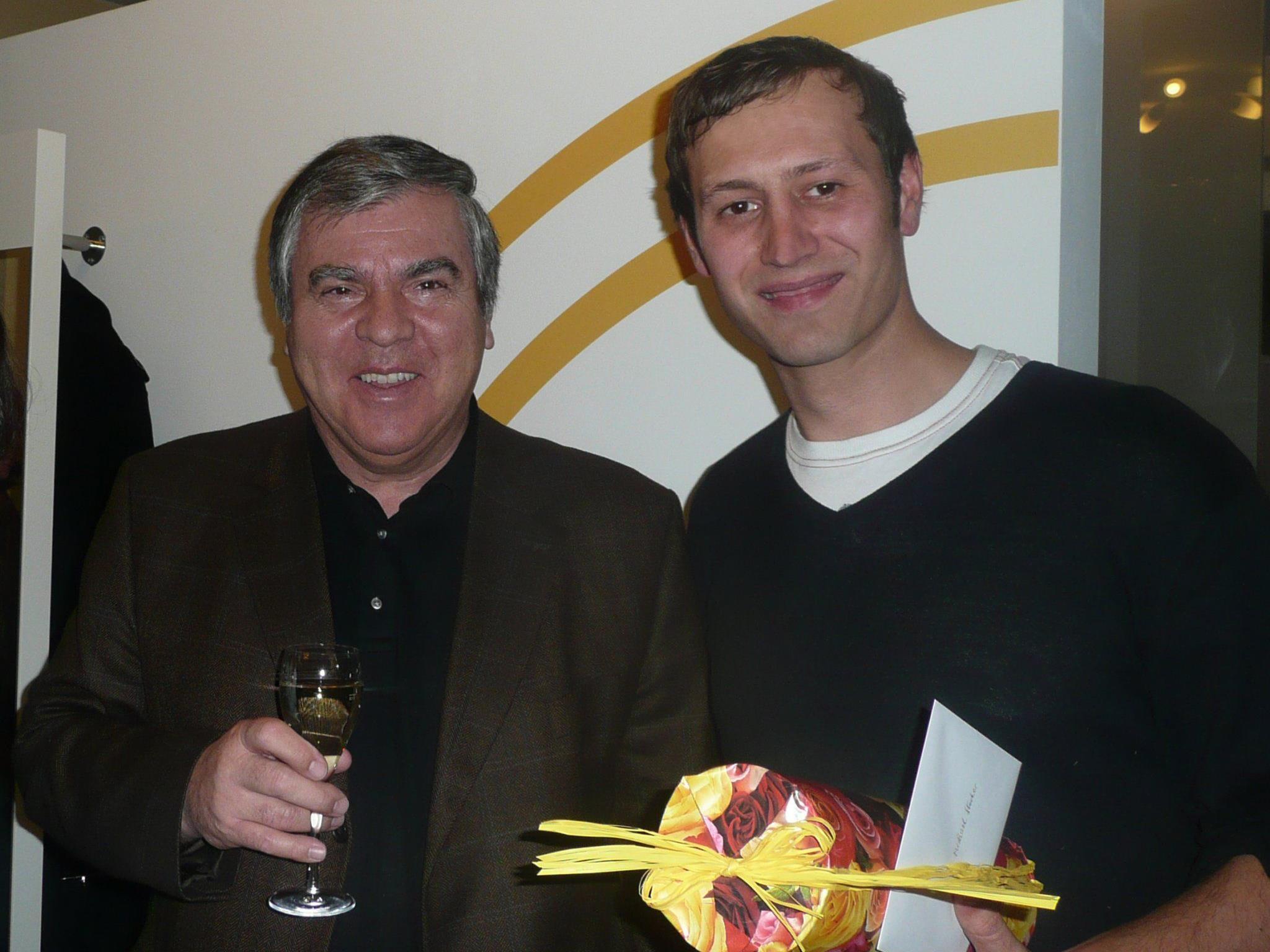 Dr. Stoss gratuliert Michael Stocker zur Eröffnung