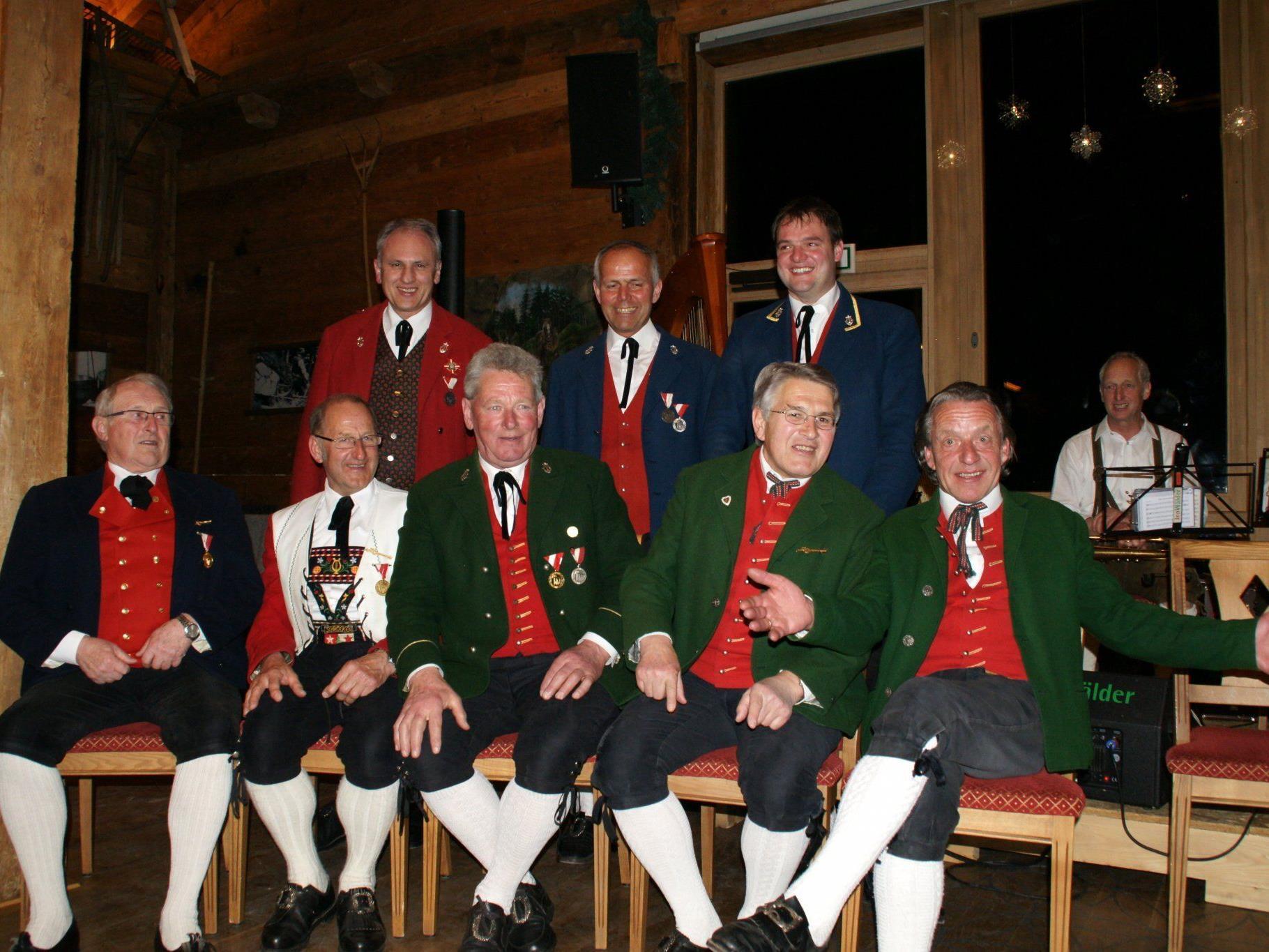 Die stolzen Jubilare der Bregenzerwälder Musikvereine.