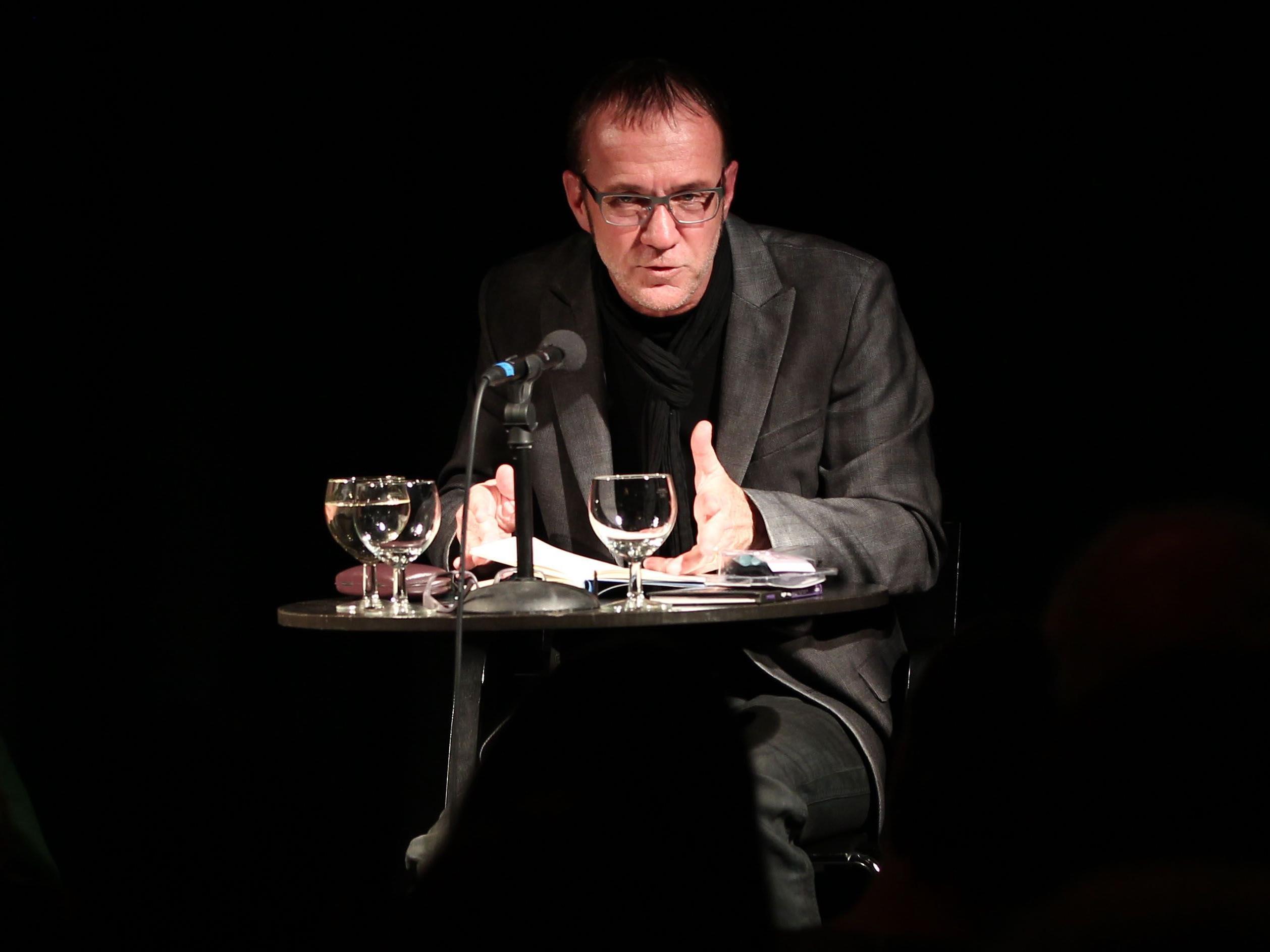 Schriftsteller Daniel Glattauer bei seiner Lesung im Literaturhaus .