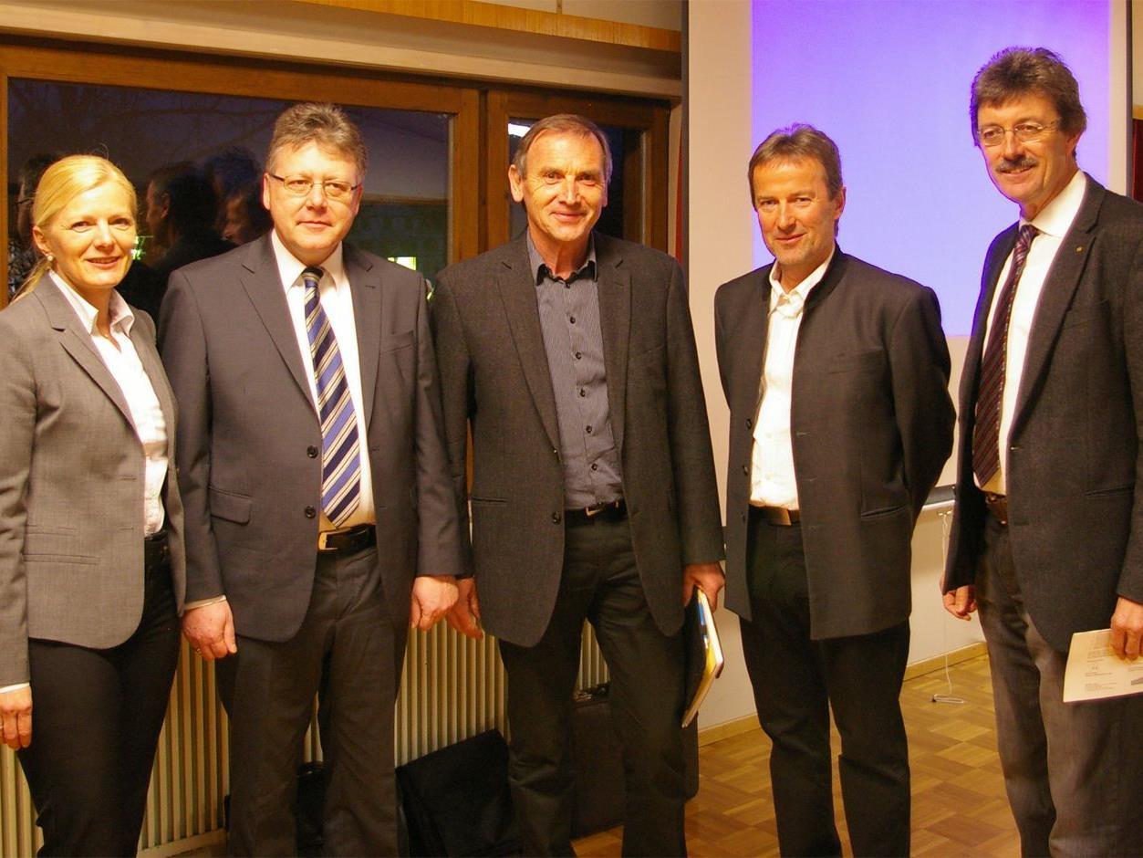 Mag. Michaela Wagner, Walter Geser, Ing. Walter Rüf, Georg Moosbrugger und Dr. Peter Kircher (v.l.n.r.).