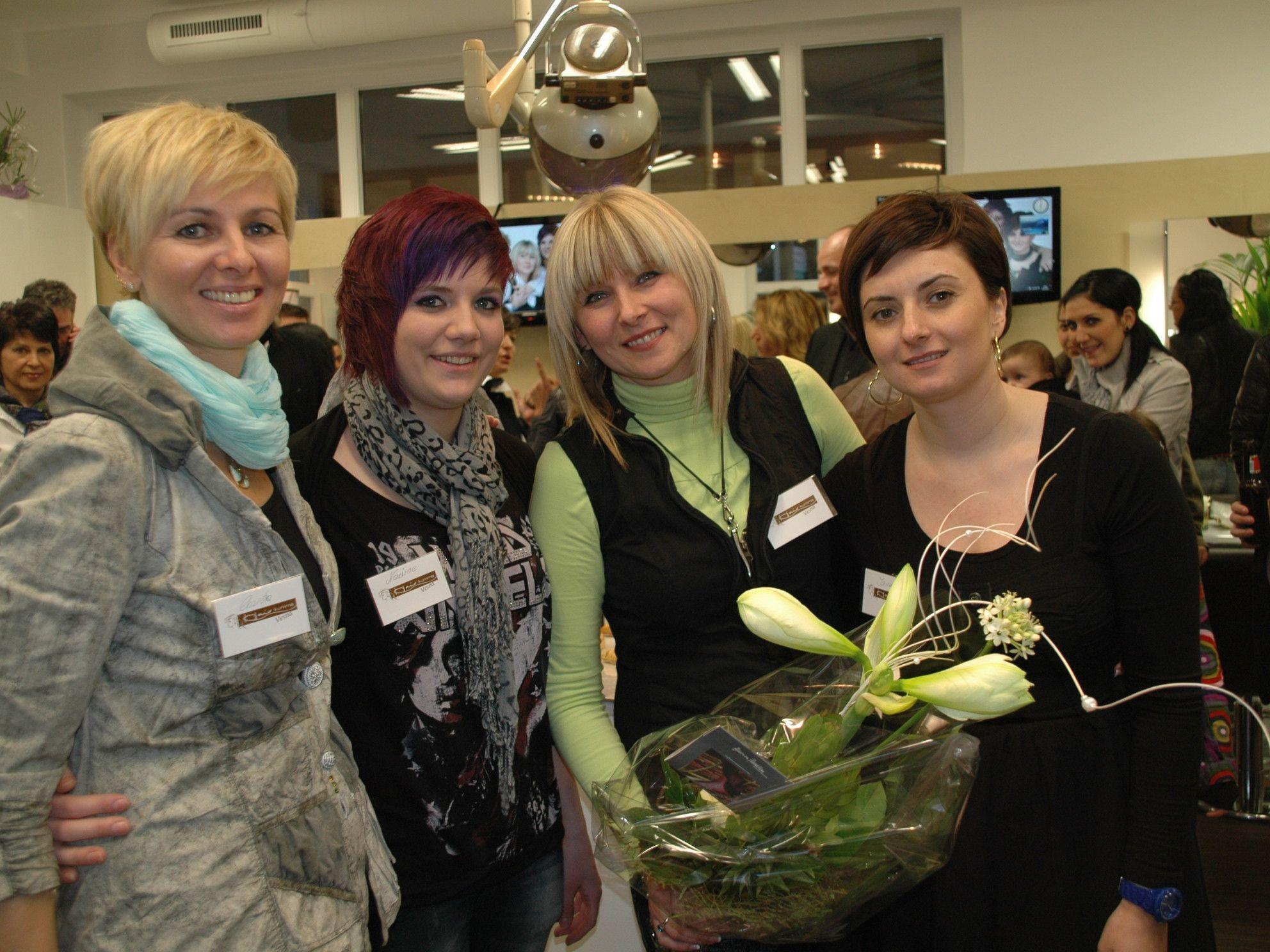 Das Hair Kumma Team auf einen Blick: Christa, Nadine, Chefin Vesna & Irina