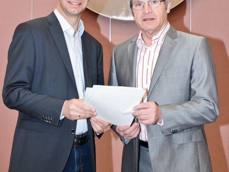 LH Wallner und LR Stemer mit Brief
