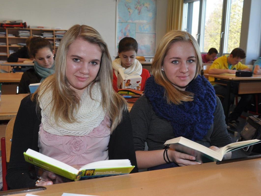 Auch Sarah Stöckl und Katja Amann zeigten sich als begeisterte Leser.