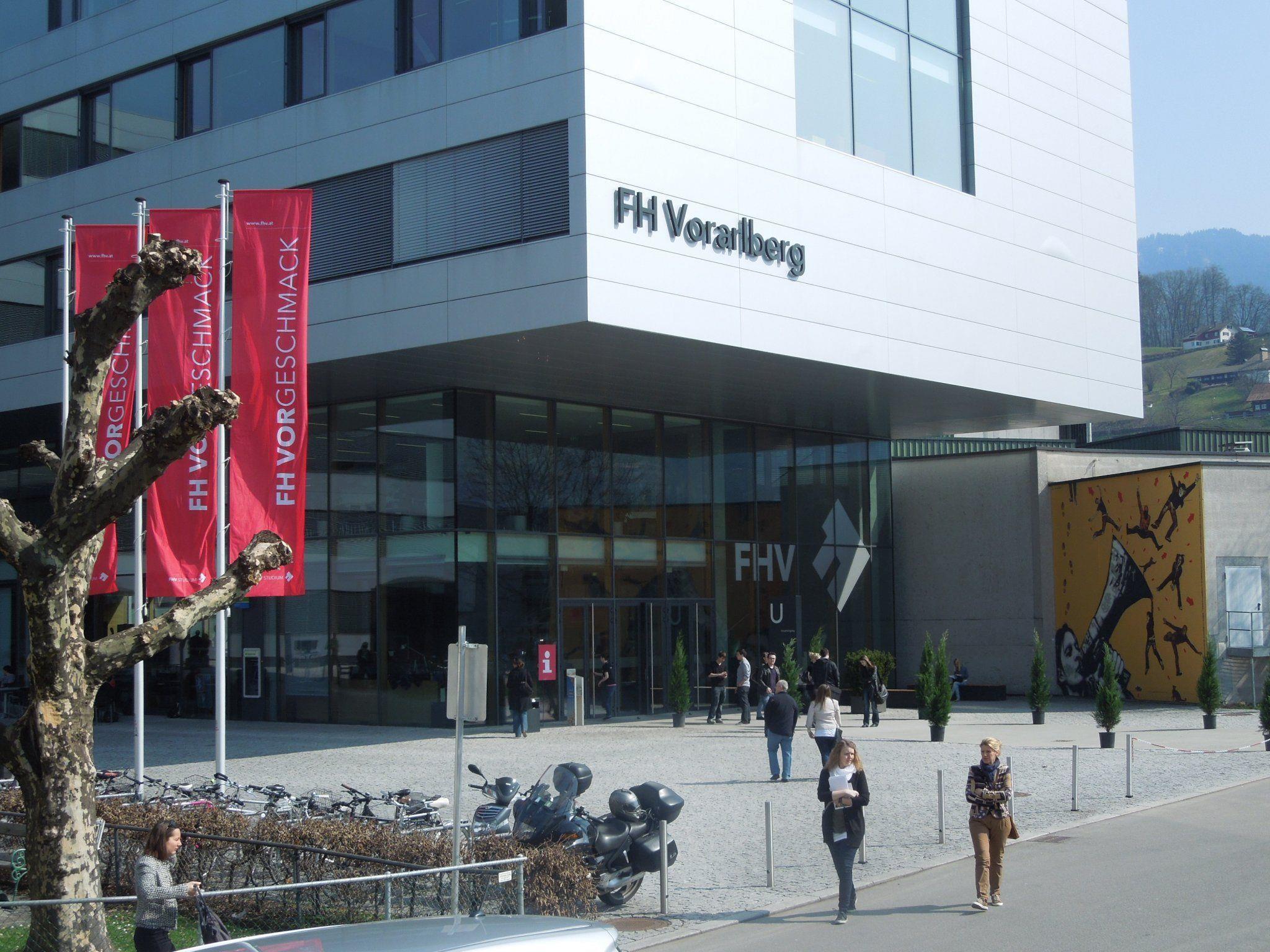 Die FHV öffnete am Samstag einen Tag lang ihre Pforten und lockte über tausend Besucher an.