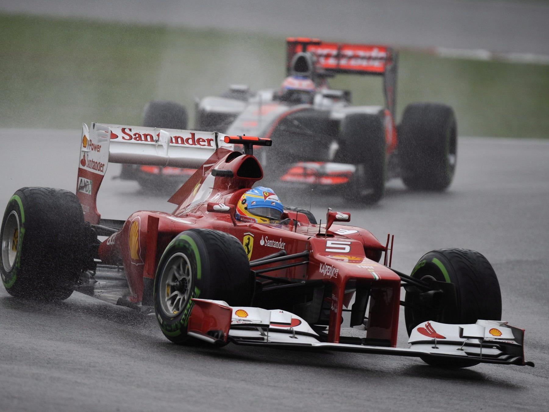 Alonso - Triumph in der Wasserschlacht von Malaysia.
